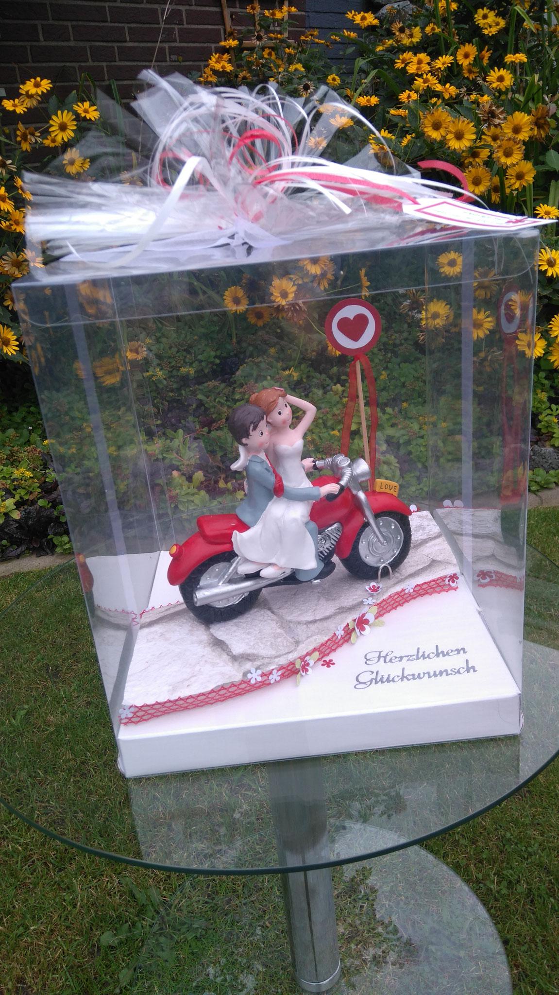 GV07 Brautpaar Motorrad