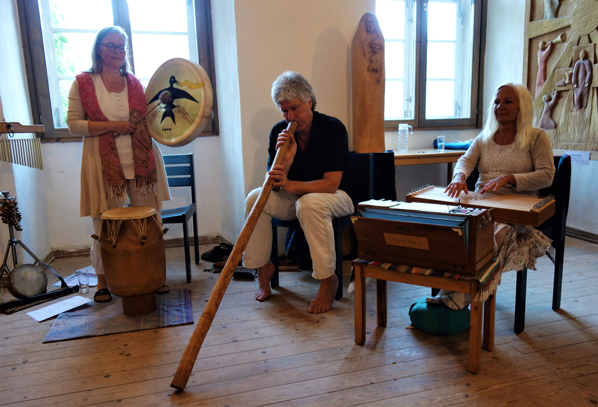 TRIO MUSIKAVIVA: Sophia Becker, Roland Foresta und Ursula Shalina Kanitz. Foto: Jennifer Peppler