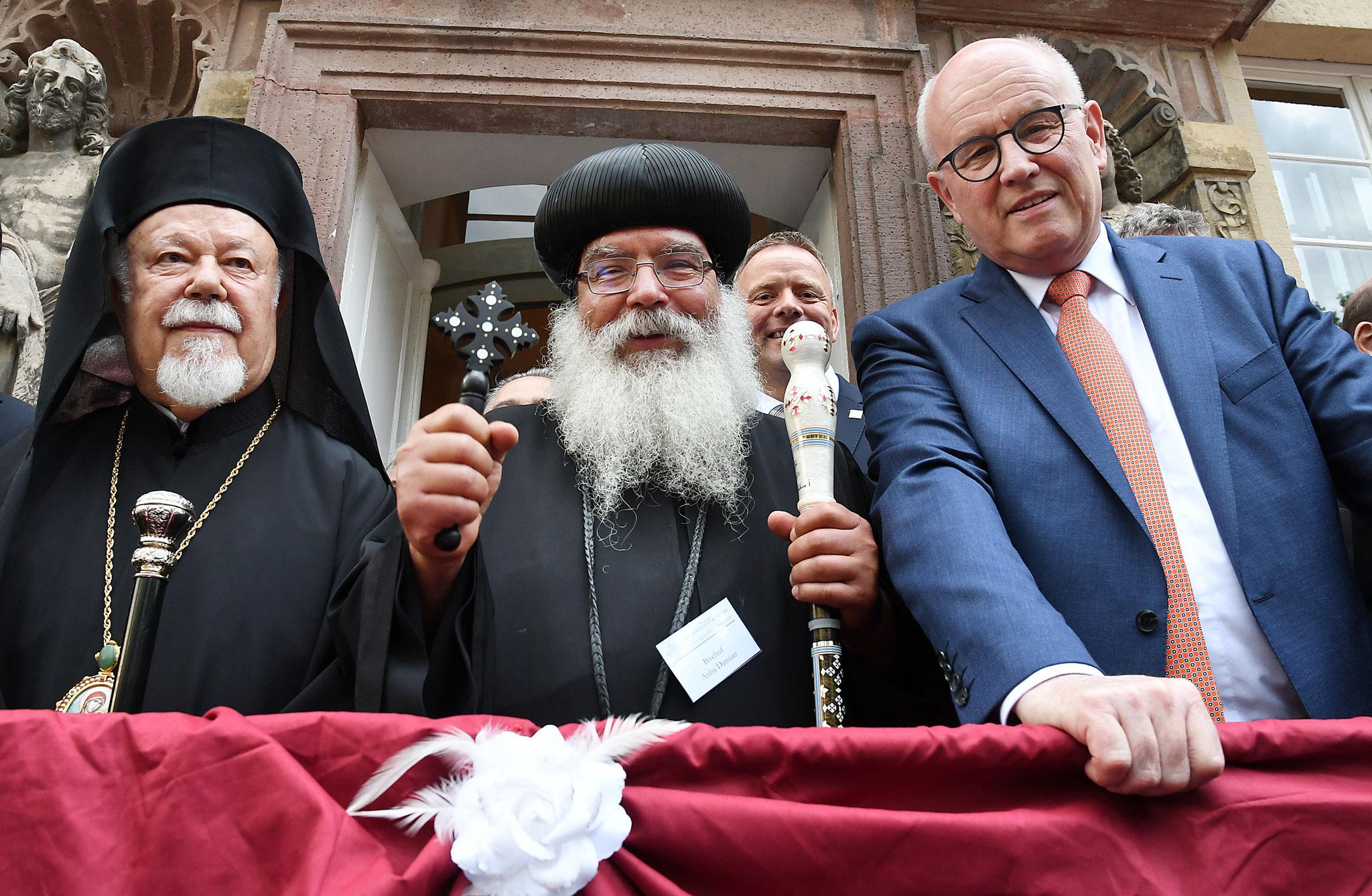 S.E. Metropolit Augoustinos, S.E. Bischof Anba Damian und Volker Kauder (MdB). Foto: Maria Hopp