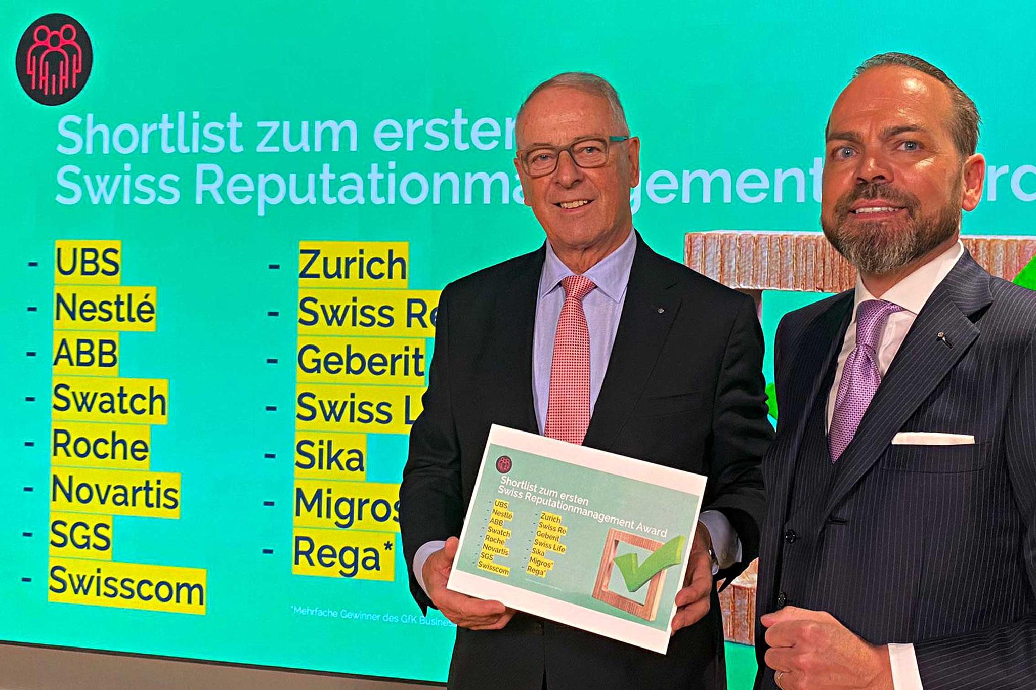"""Schirmherr des 1. Swiss Reputationmanagement Award, alt Bundesrat Adolf """"Dölf"""" Ogi, lüftet gemeinsam mit Christof Küng das Geheimnis der Shortlist"""