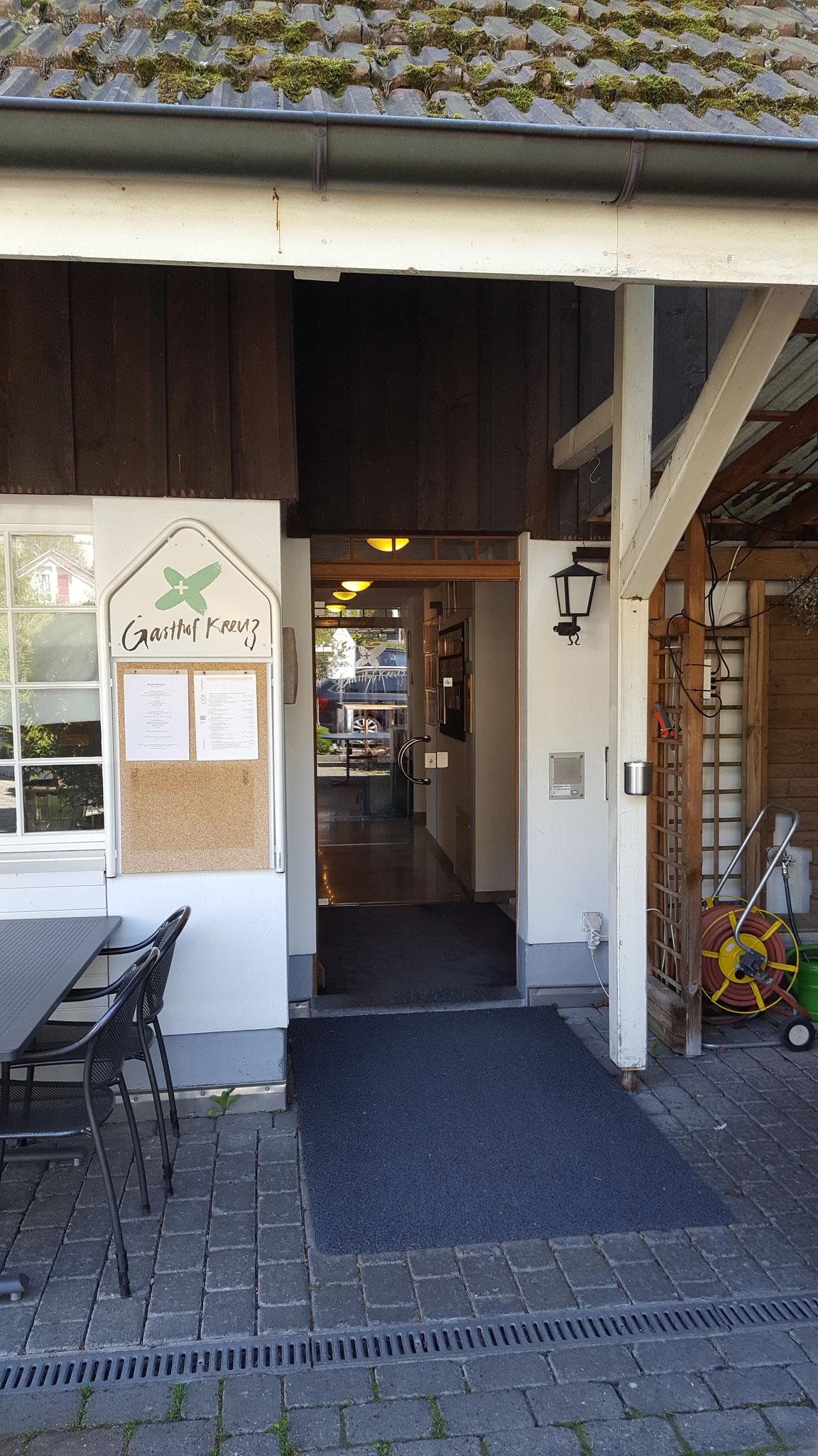 Verbandstagung in Egerkingen (Schweiz): Hotel Gasthof Kreuz, Oltnerstrasse 11, CH-4622 Egerkingen (Eingangsbereich Gasthof/Hotel Hofseite)