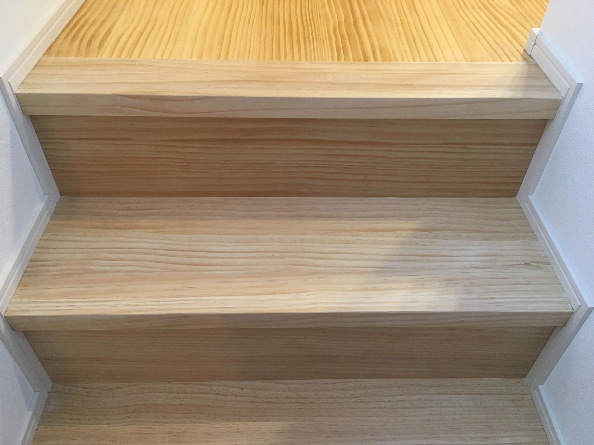 階段ウレタン塗装替:after