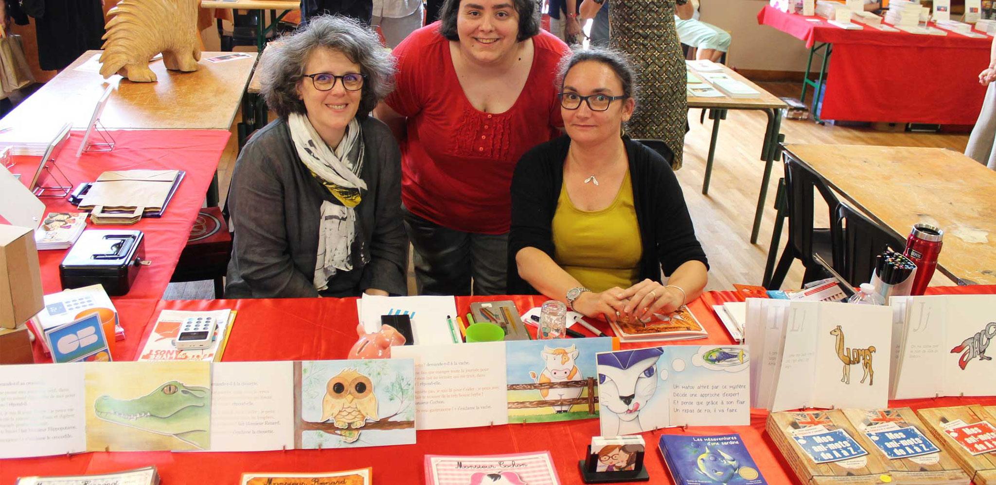 Cloé Perrotin au stand des Editions Violette et Lulu à Livres en Pâtures à Anost 2017