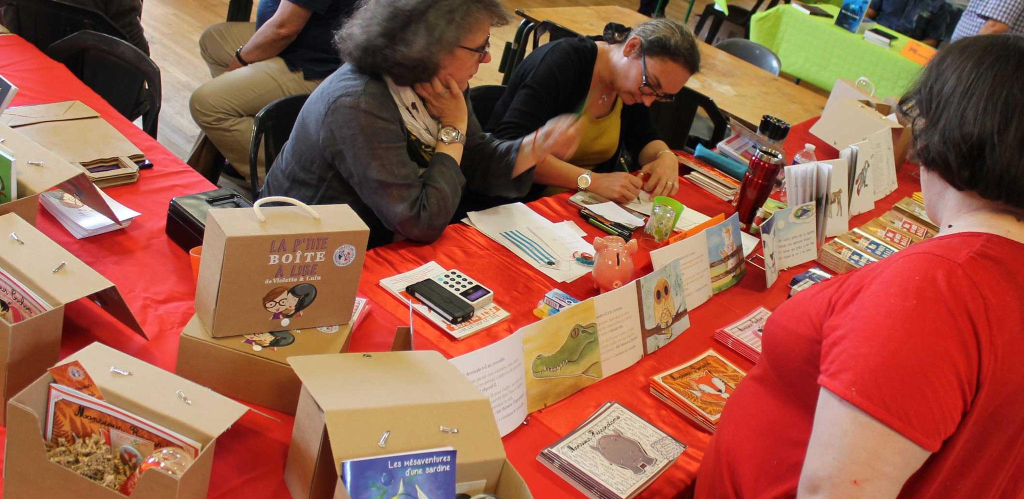 Les créatrices des Editions Violette et Lulu au Salon du Livre d'Anost 2017