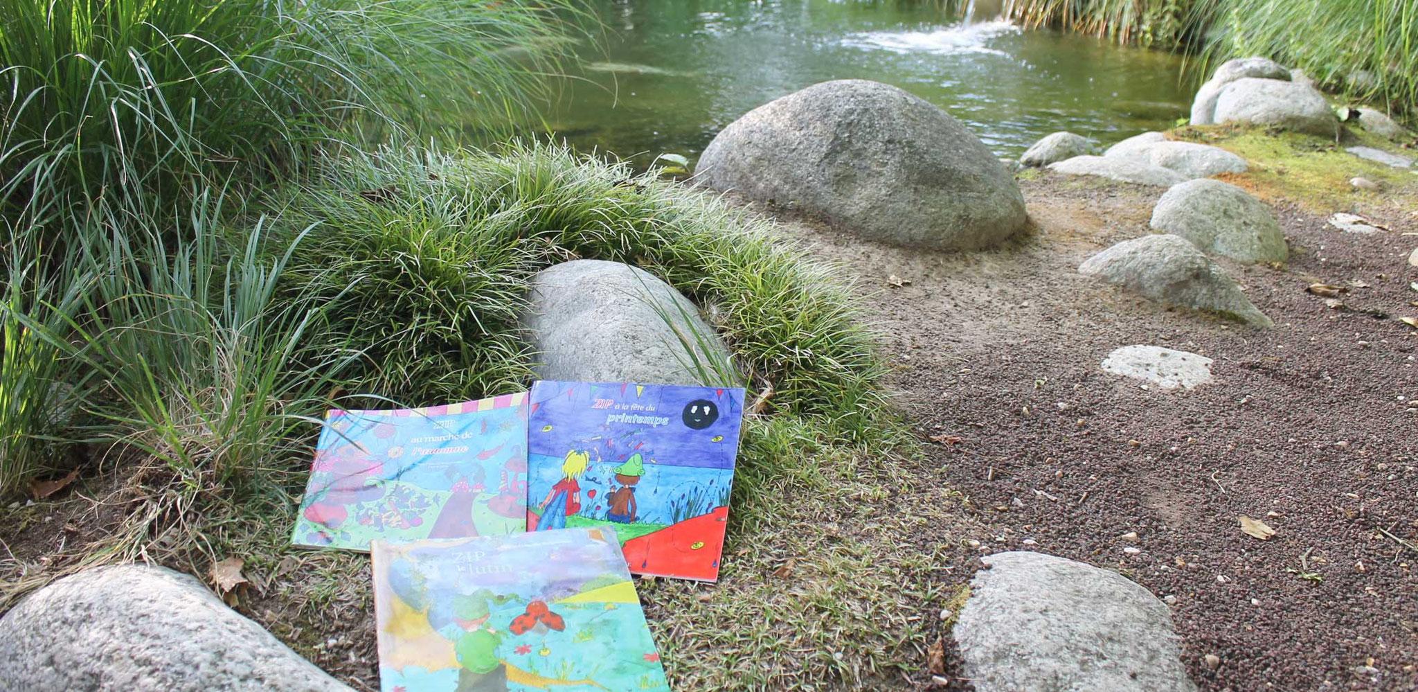 La trilogie fantastique de Zip le lutin aux Jardins Aquatiques en 2017 sur le chemin de pierres