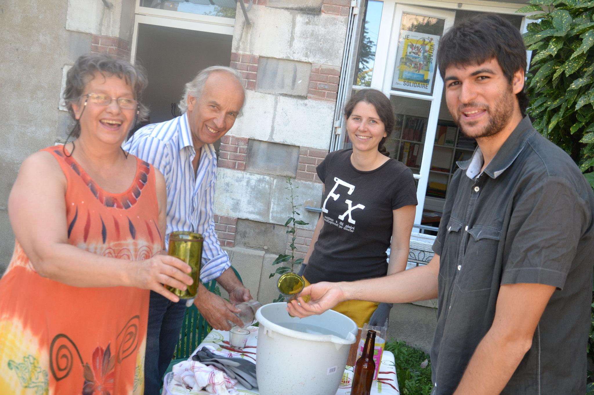 Vases et verres en bouteilles recyclées