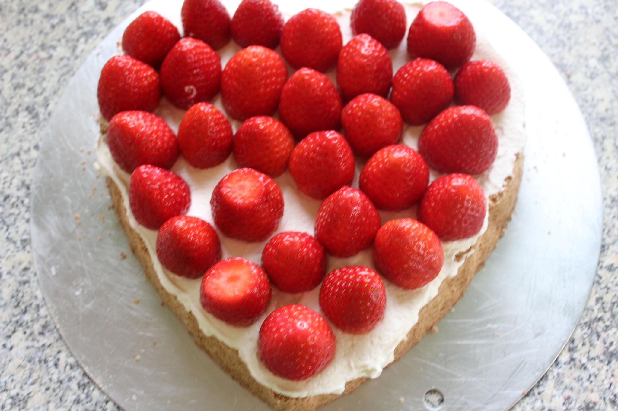 Erdbeeren auflegen