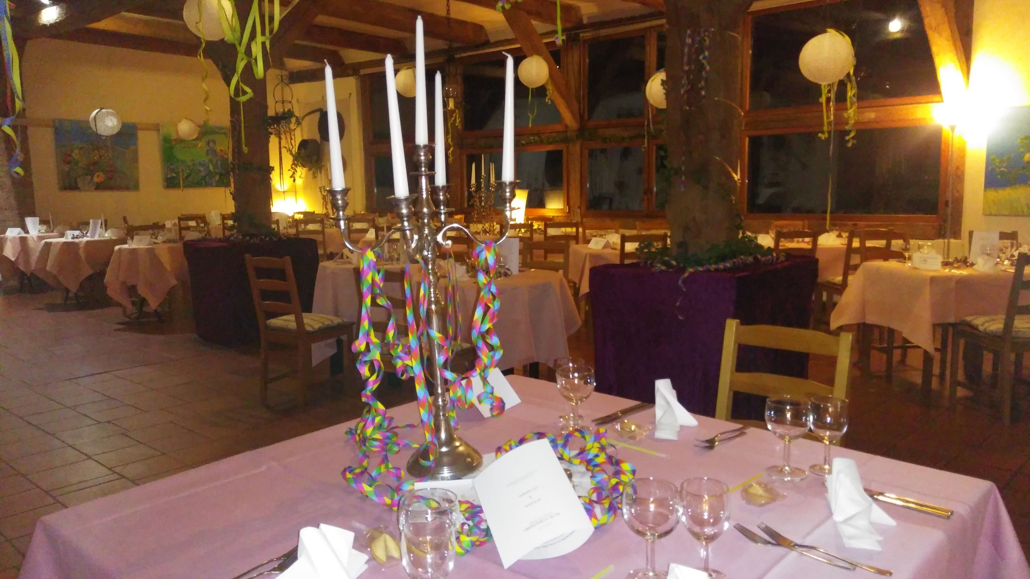 ausgelassen Feiern im Hotel Alte Försterei Kloster Zinna