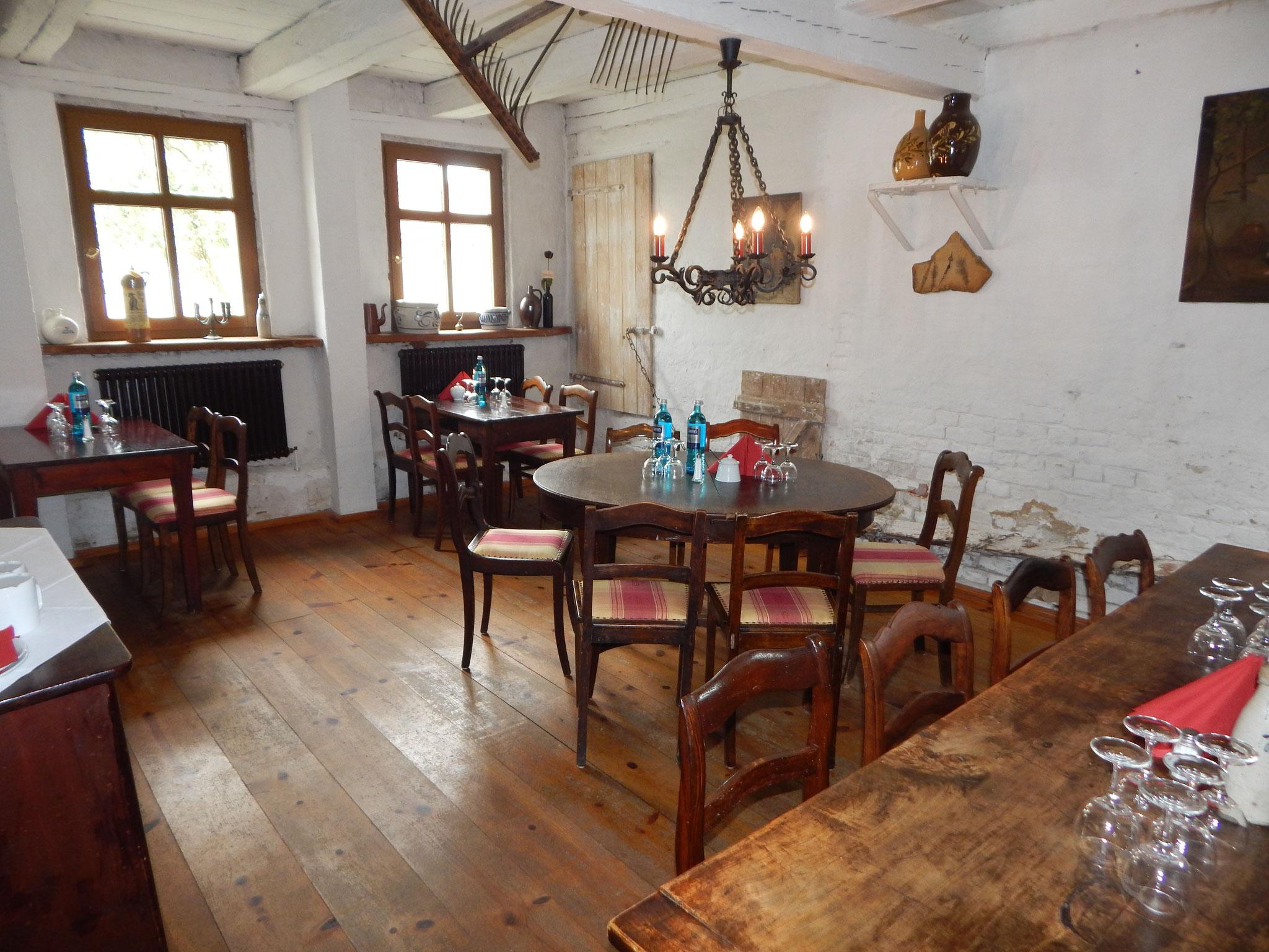 Schankstube 12 Mönche im Hotel Alte Försterei Kloster Zinna