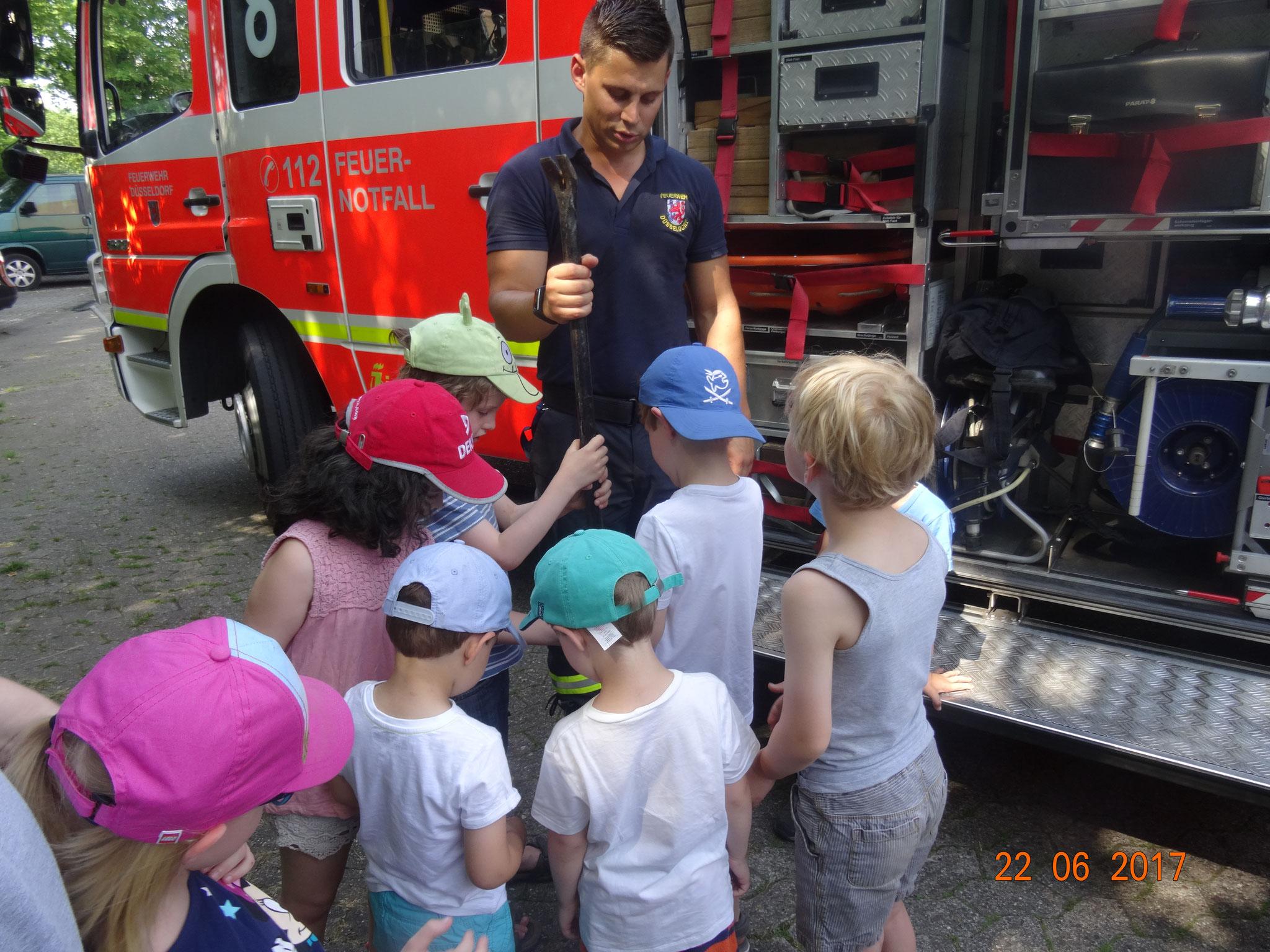 Wir sind regelmäßig bei der Feuerwehr.