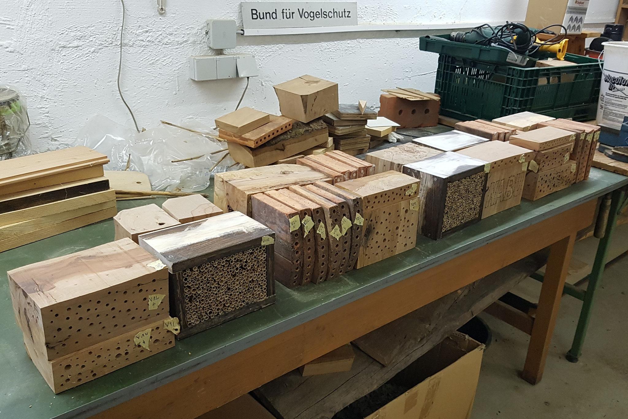 Sorgfältig beschriftete Elemente zum Einbau bereit (Foto: M. Budig)