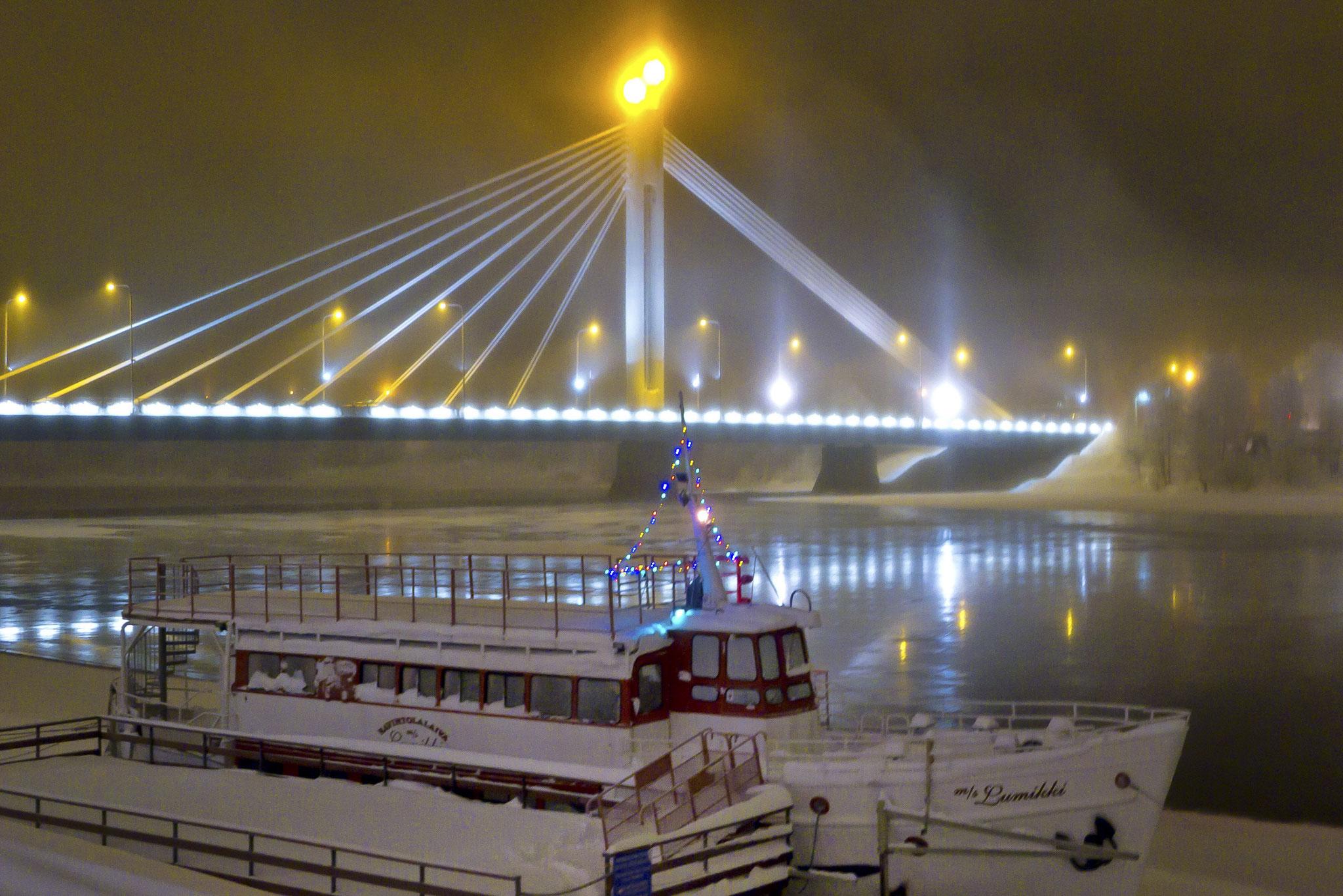 © Hans G. Lehmann | Winterstimmung: Brücke in Rovaniemi, Finnland