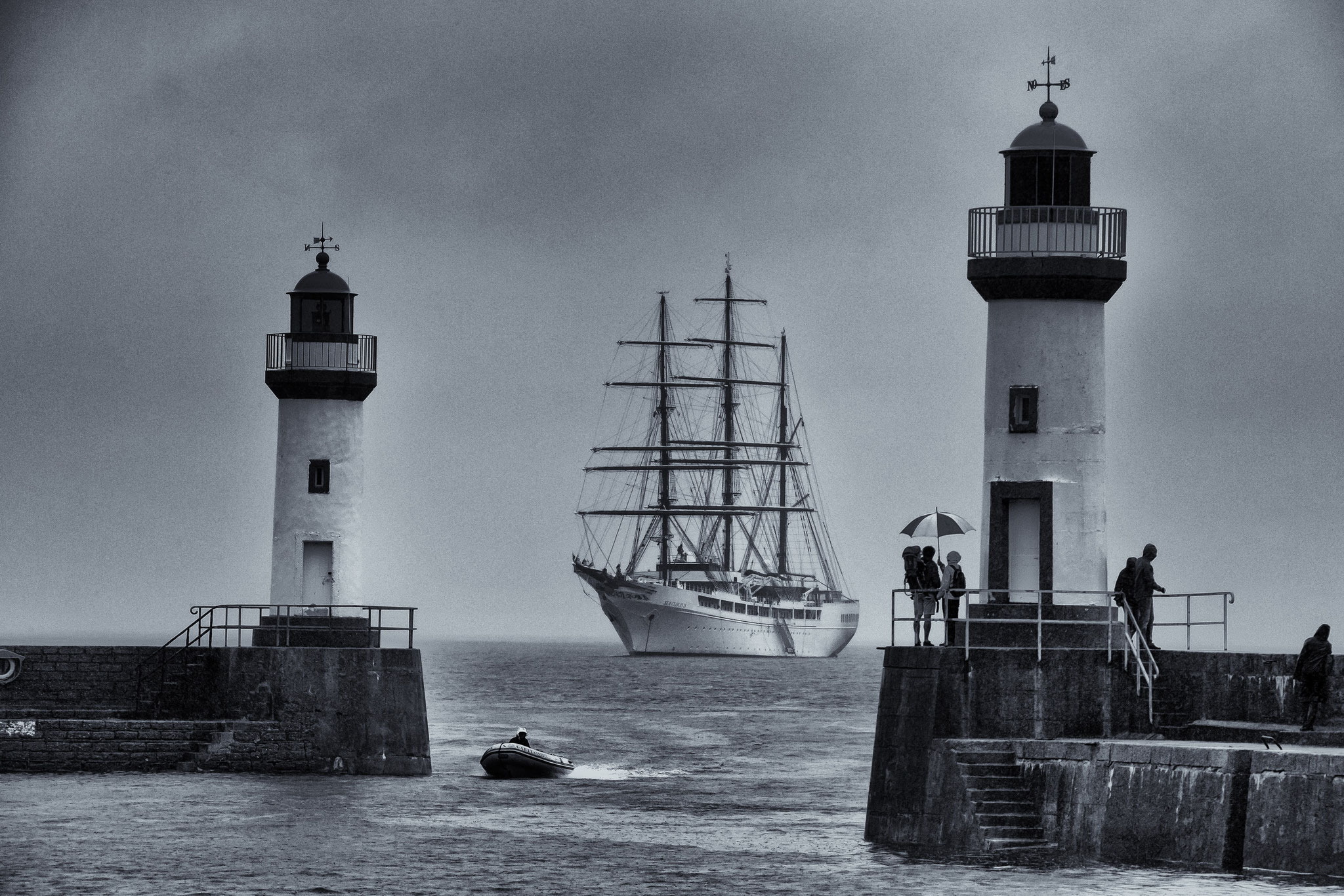 © Hans G. Lehmann | Port entrance Le Palais/Belle-Ile-en-Mer with tall ship Sea Cloud II, France