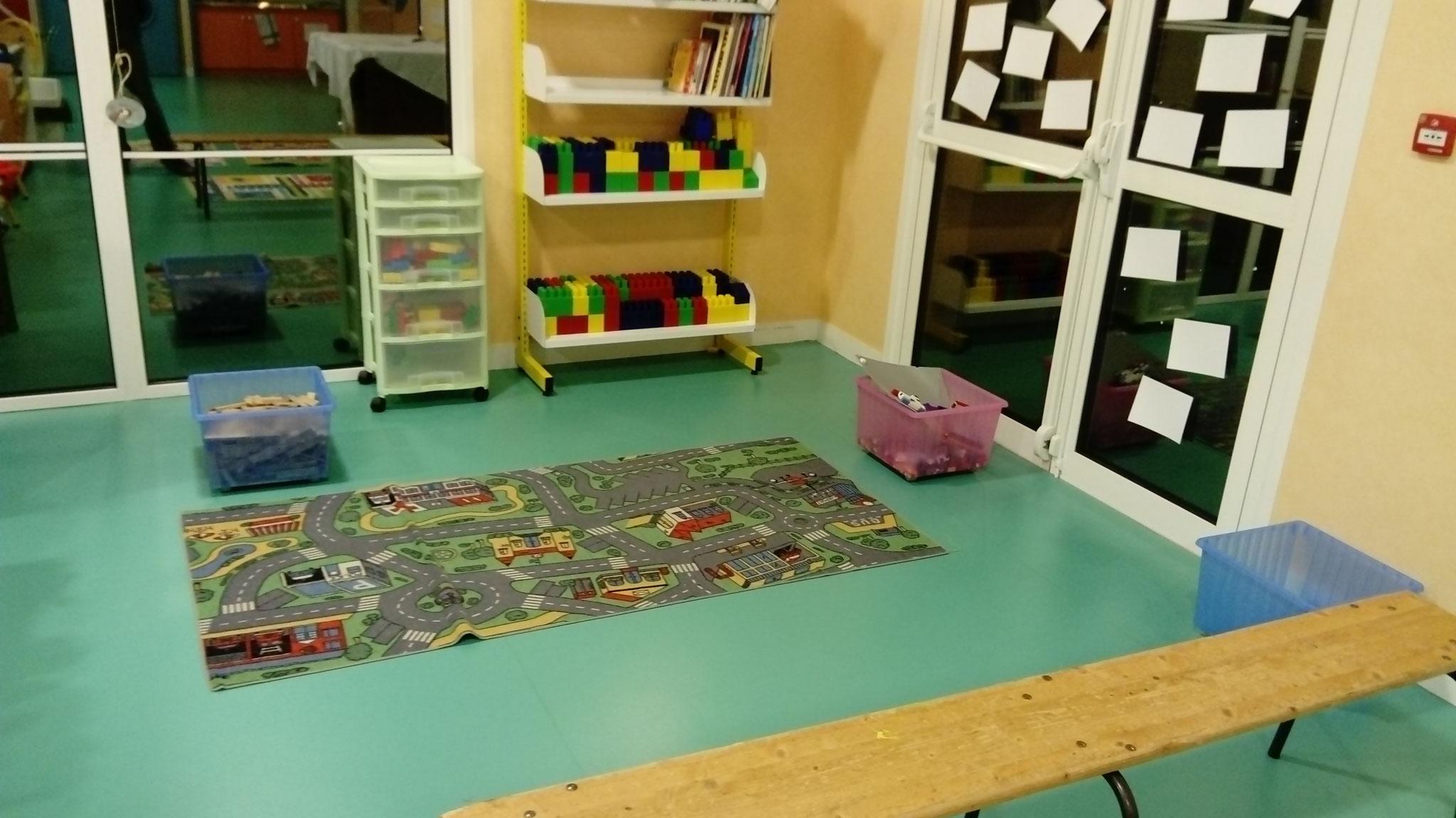 un coin jeu de construction (kapla, LEGO ...)