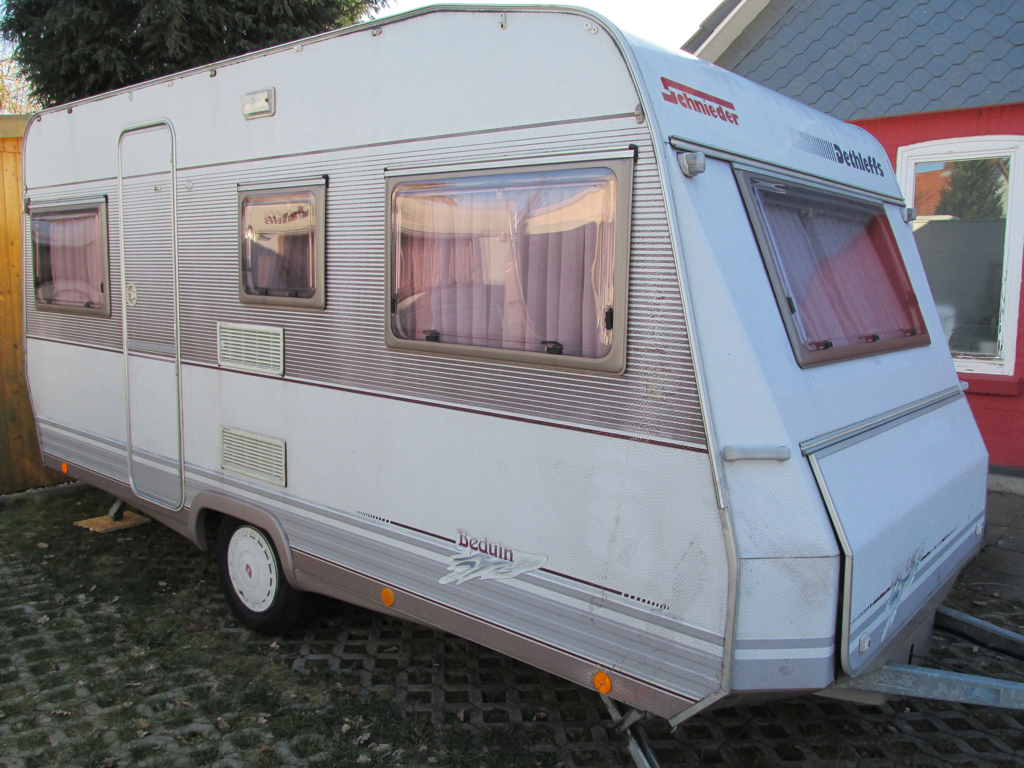 dethleffs beduin 460 t camping vermietung. Black Bedroom Furniture Sets. Home Design Ideas