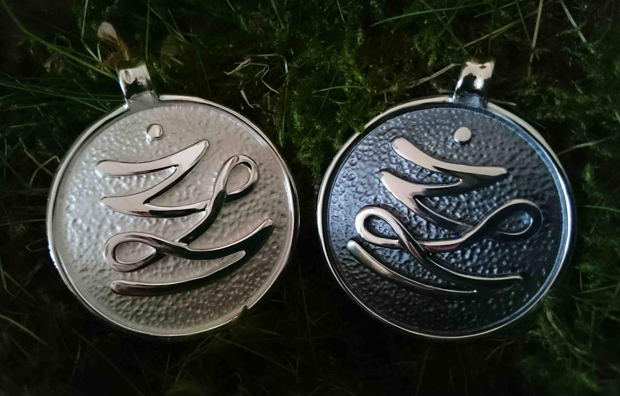 Silber matt und oxidiert