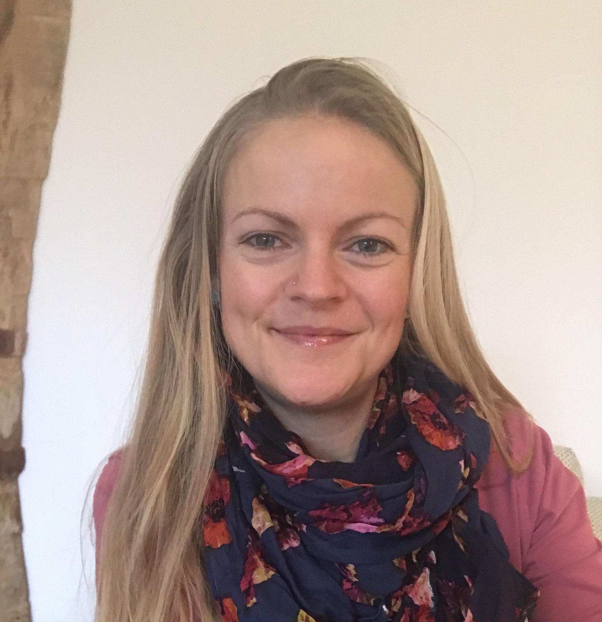 Hebamme Stefanie Gaß, Vor- & Nachsorge, Akupunktur, Aromatherapie, Referentin