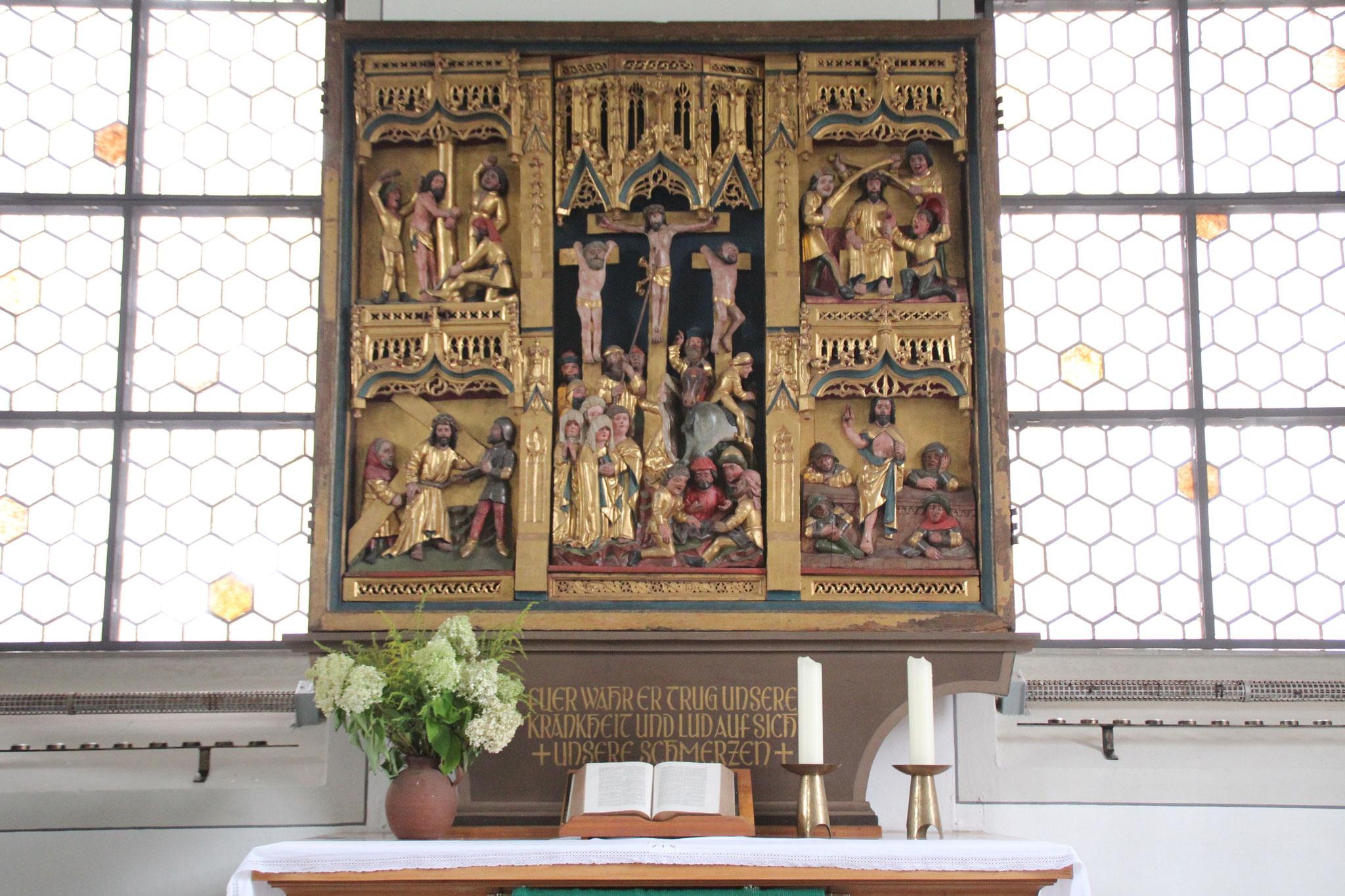 Schnitzaltar der Martinskirche   Bildquelle: von Jorabe302 bei Wikipedia