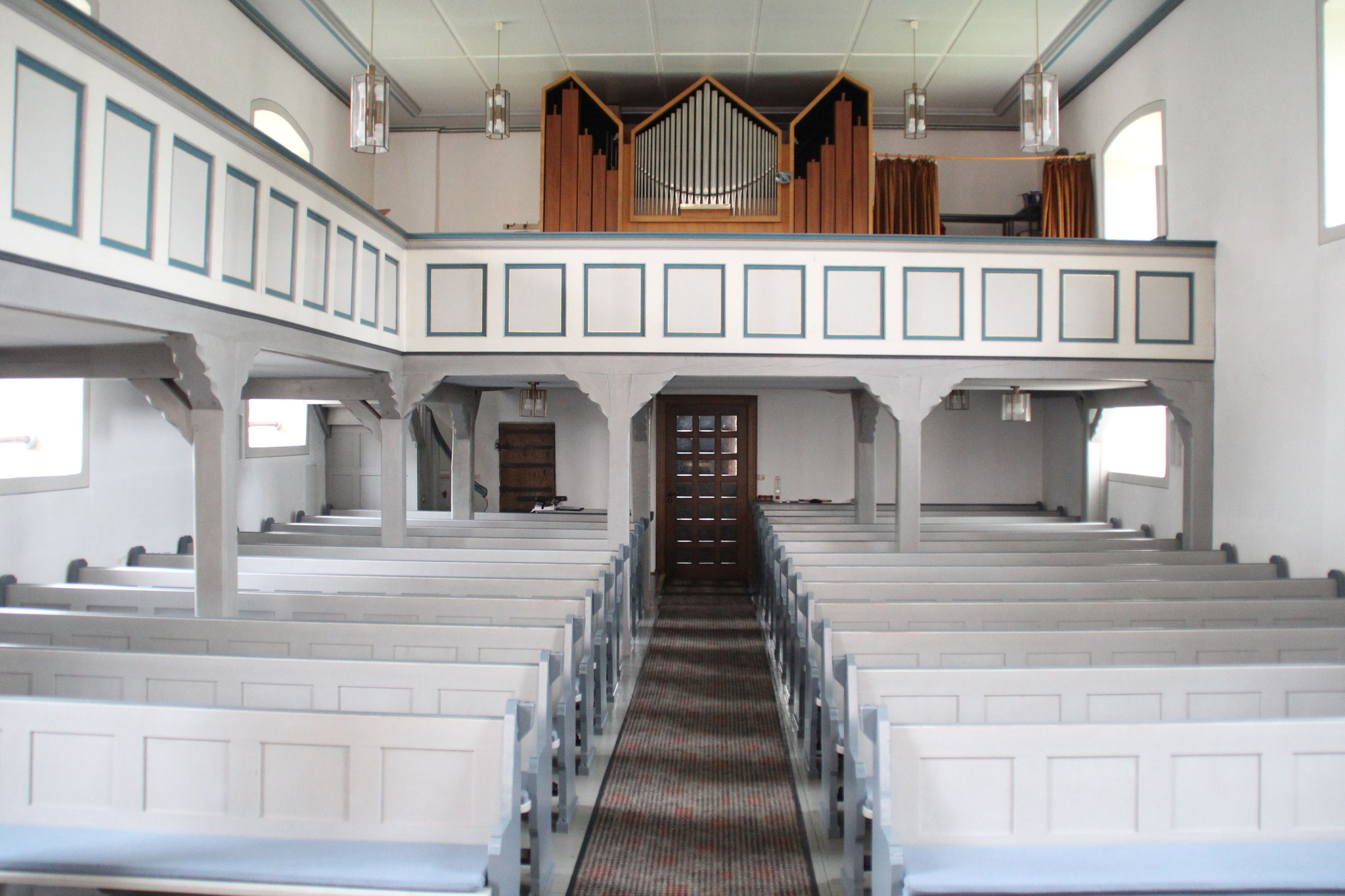Kirchenschiff der Martinskirche   Bildquelle: von Jorabe302 bei Wikipedia