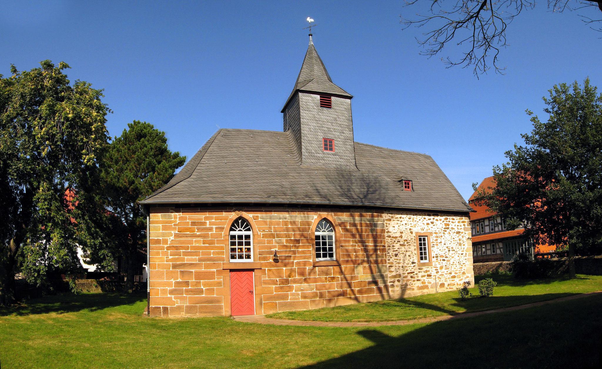 Kirche Bellnhausen, Bildquelle: Andreas Trepte, Wikipedia