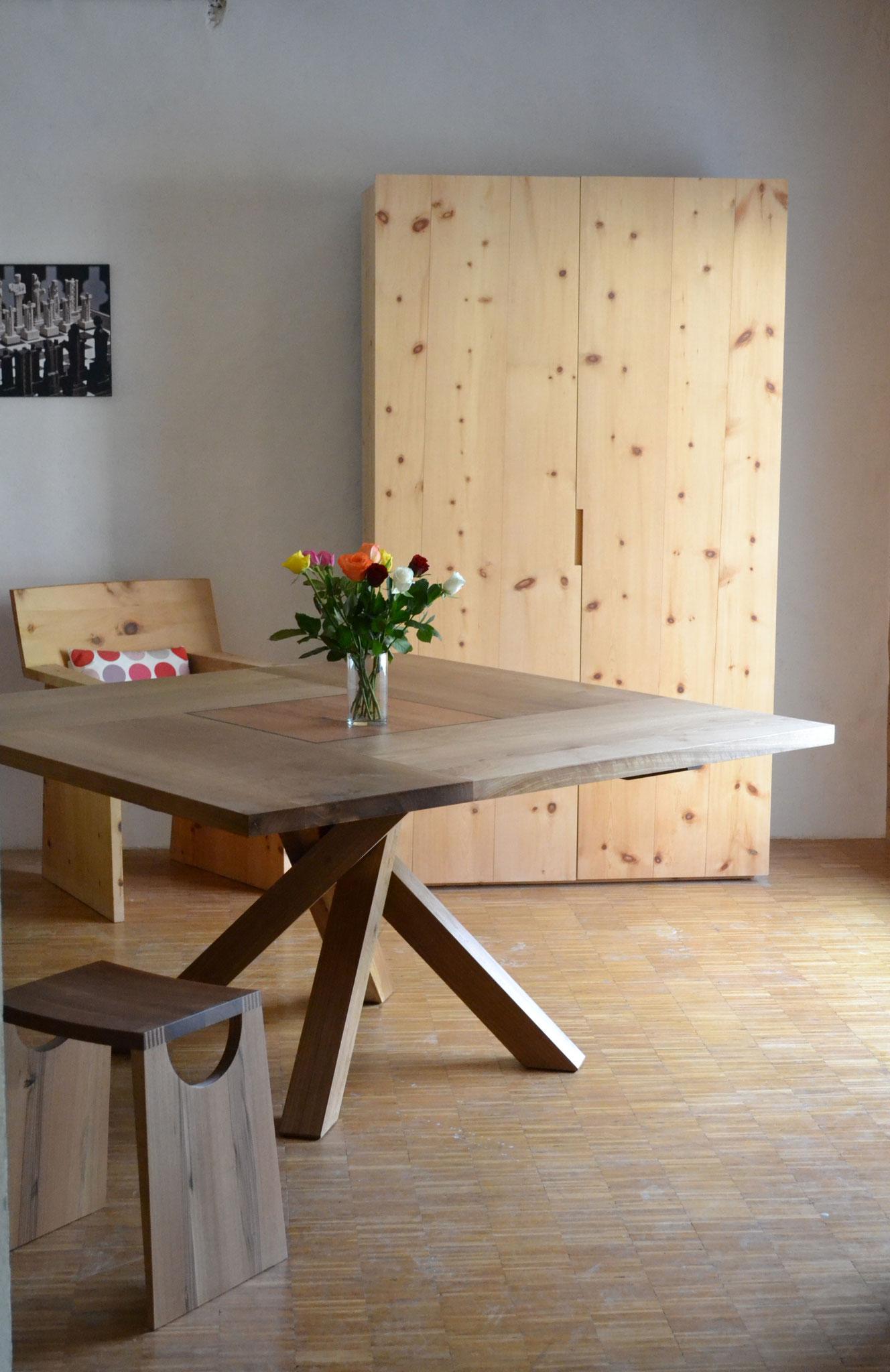 Tisch Twist Nussbaum quadratisch