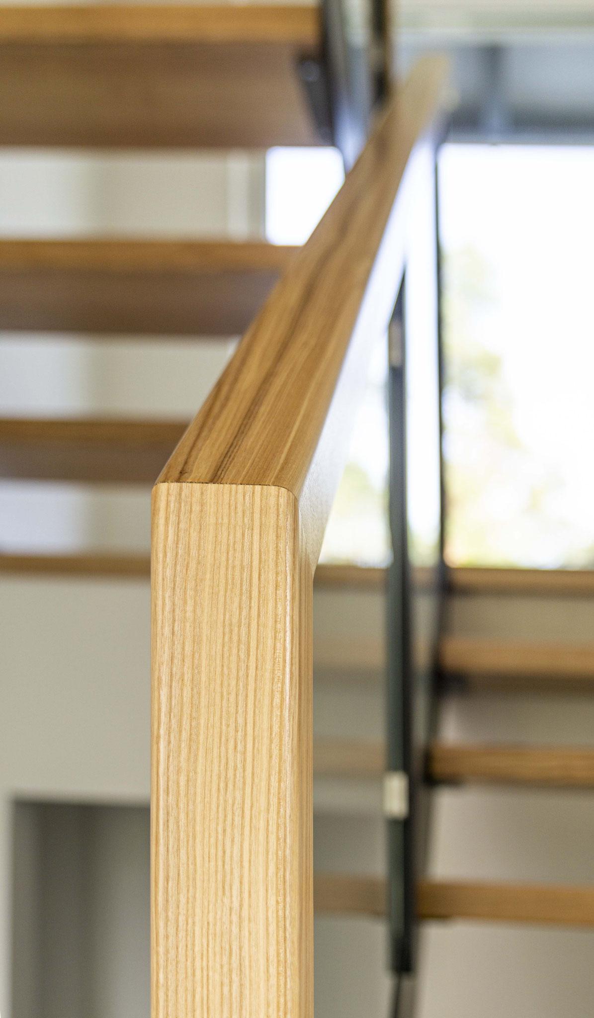 Holz bestimmt im Innenbereich die klare Optik. Foto: Dominik Frank