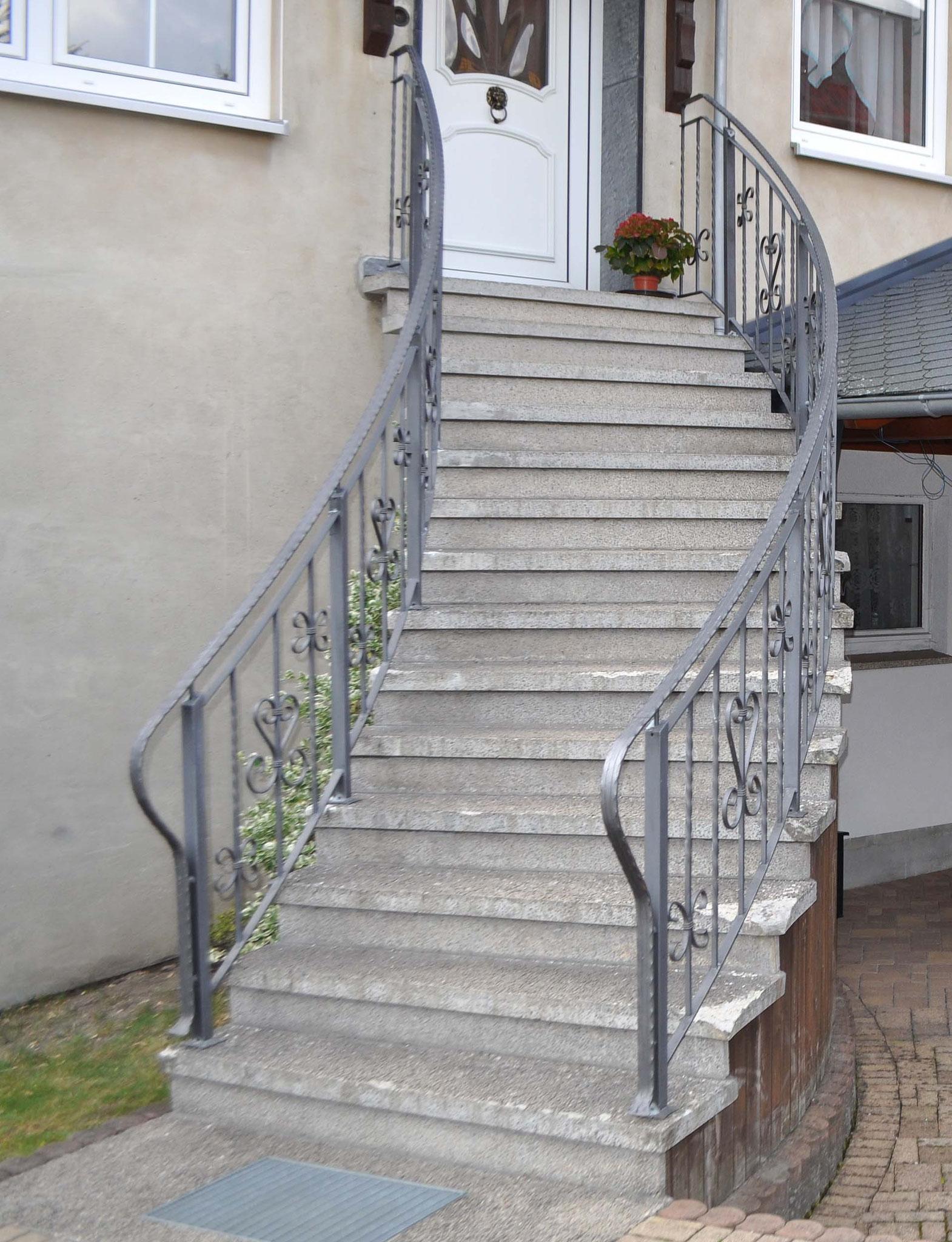 Treppengeländer mit Zierelementen