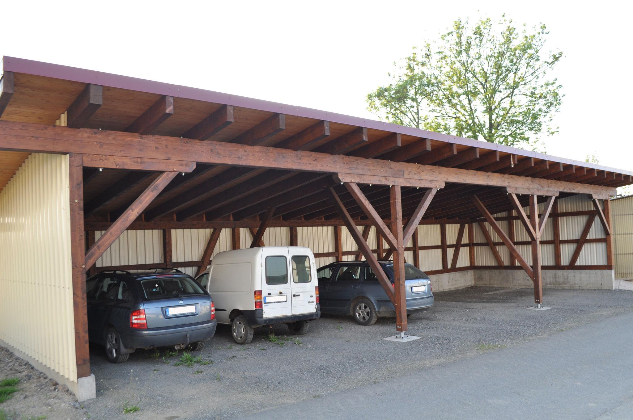 Carportanlage für mehrere Fahrzeuge