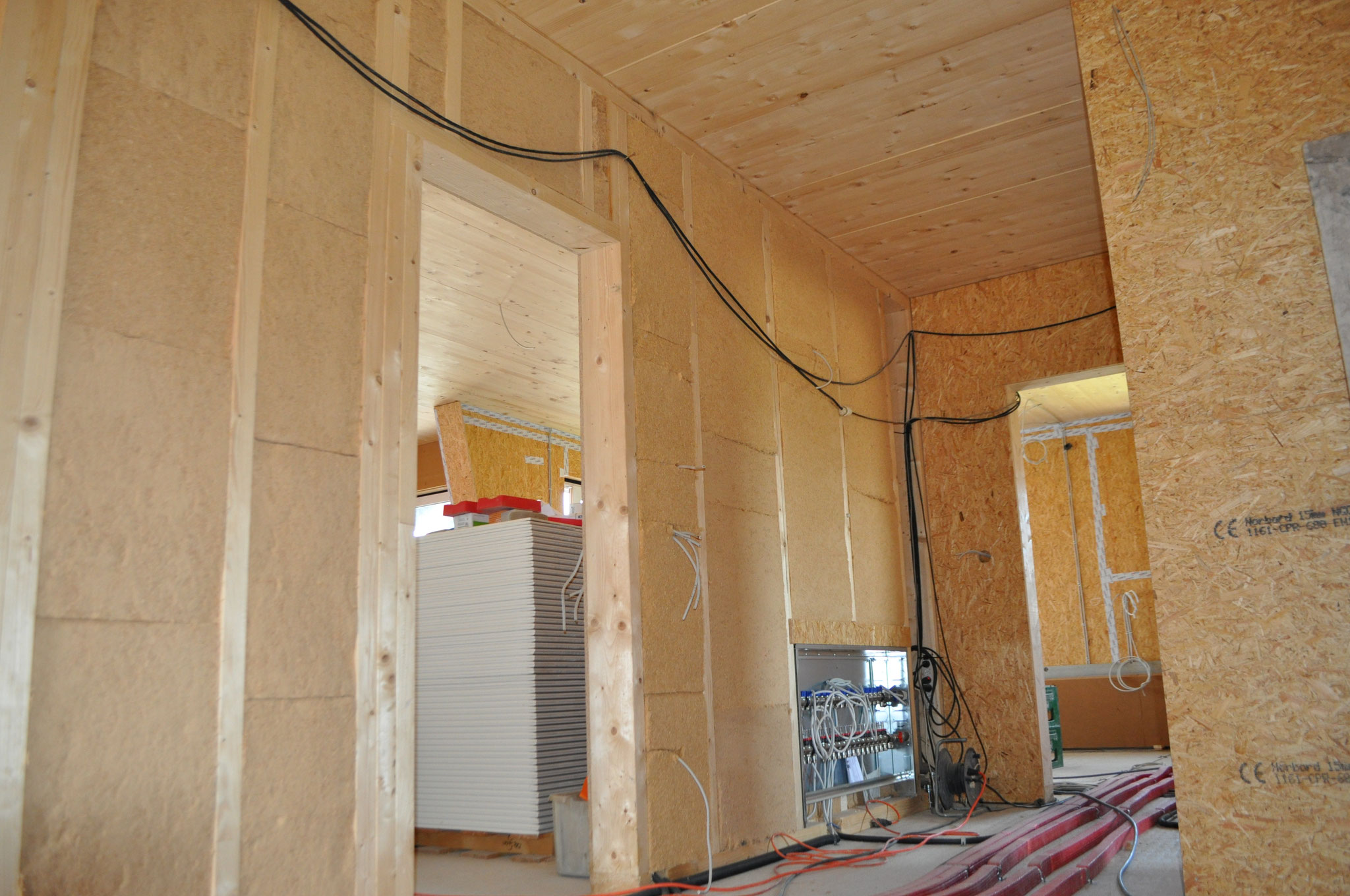 Innenwände Holzrahmenbau mit Brettholzstapeldecke