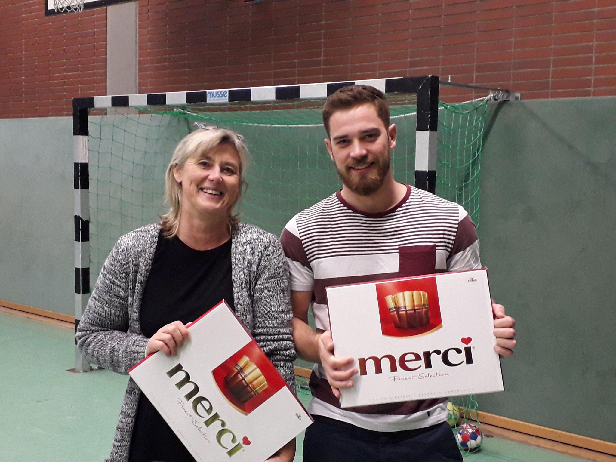 Mini-Trainerin Heike Wrobel und F-Jugend Trainer Max Lauber