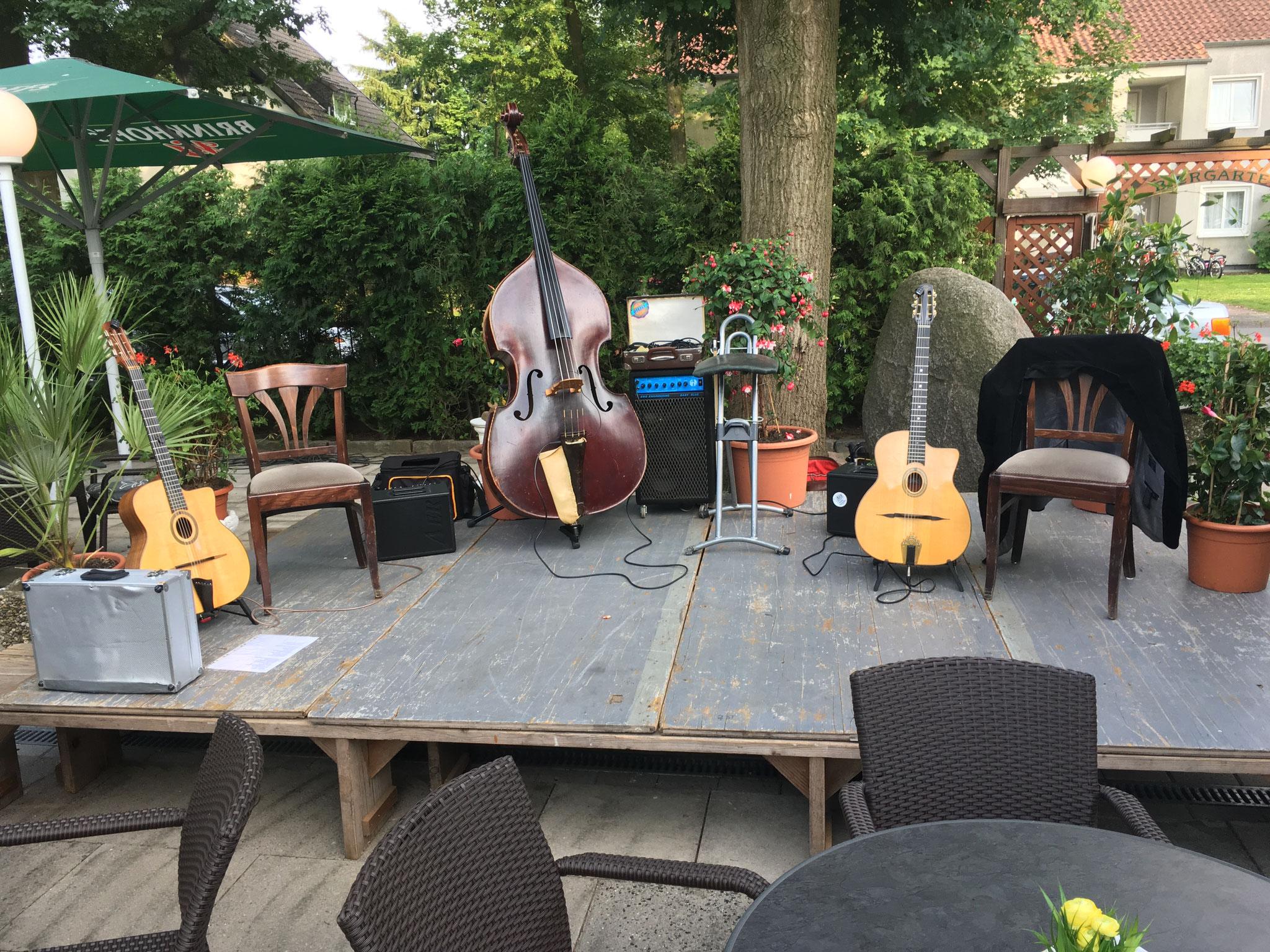Livemusik-  Stringtett Trio im Biergarten Juni 2016