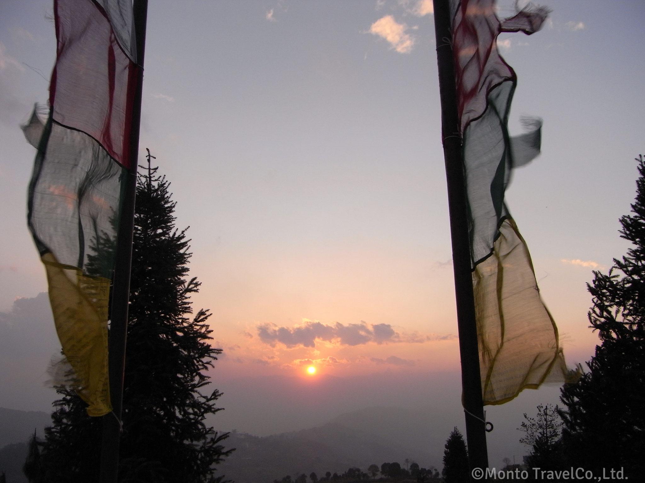 ナガルコット展望台からの夕日