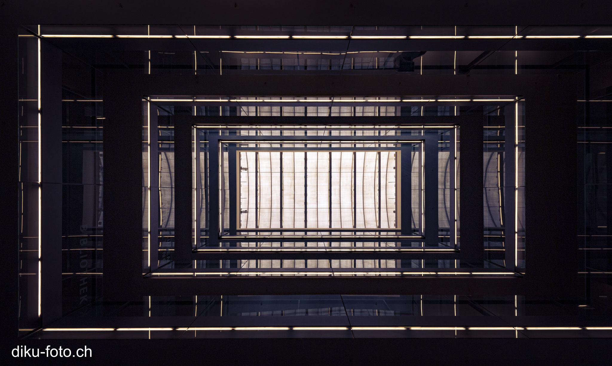 Foyer Blick nach oben