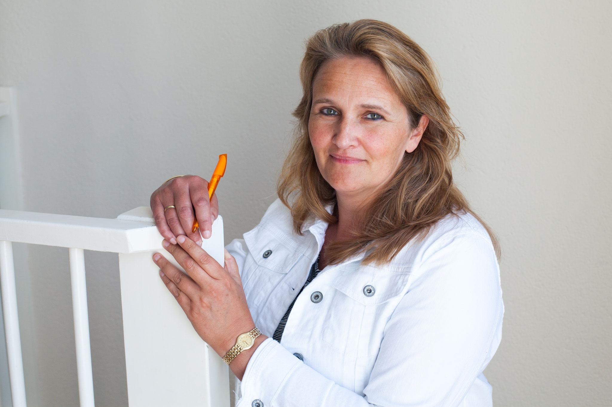 Annelies - Balie-assistente, Sterilisatie-assistente