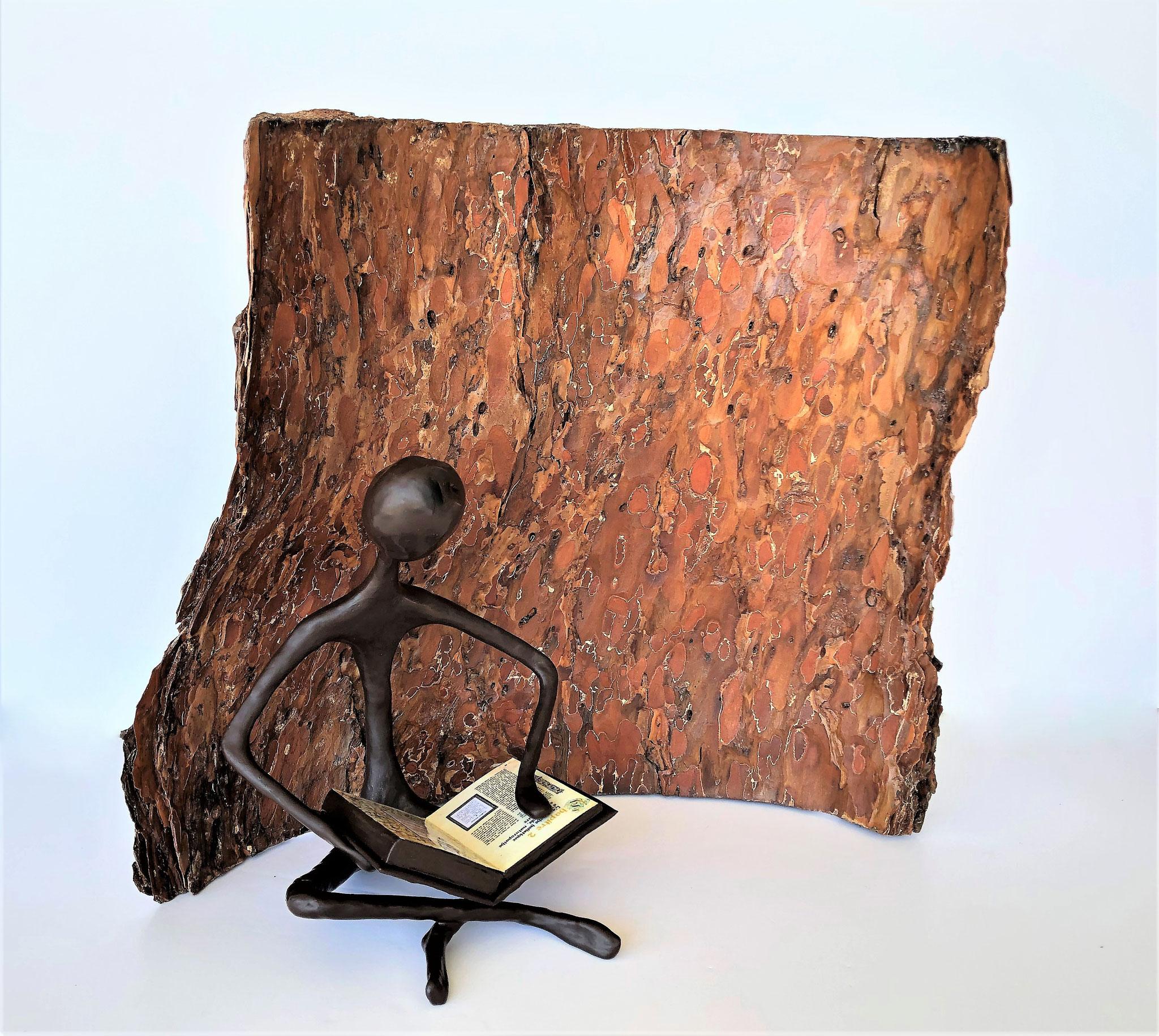 L'homme au grimoire - H32 x B37 cm