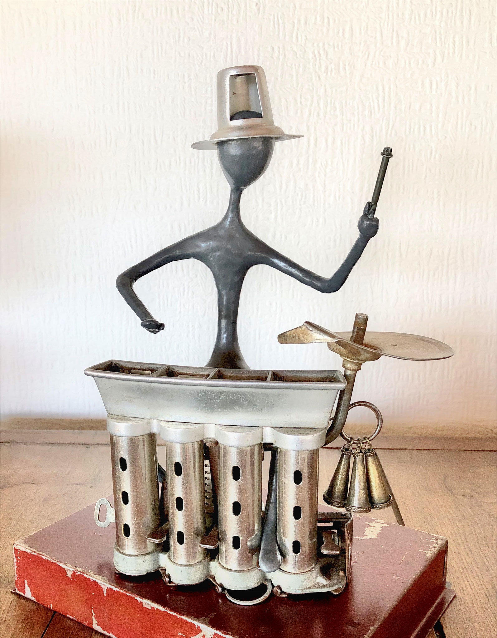 Percussionniste - H33 x B24 x T16 cm