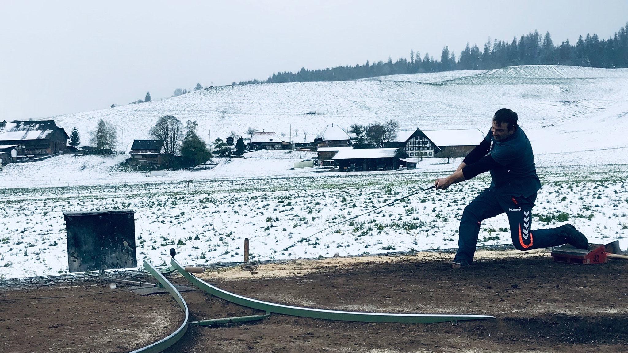 Sieg bei spannendem Schneespiel