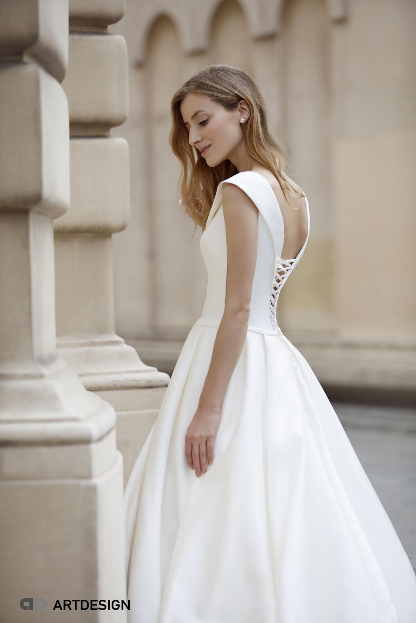 myLovely sexy Brautkleid Satin Prinzessin Königin tiefer Rücken elegant Jarice