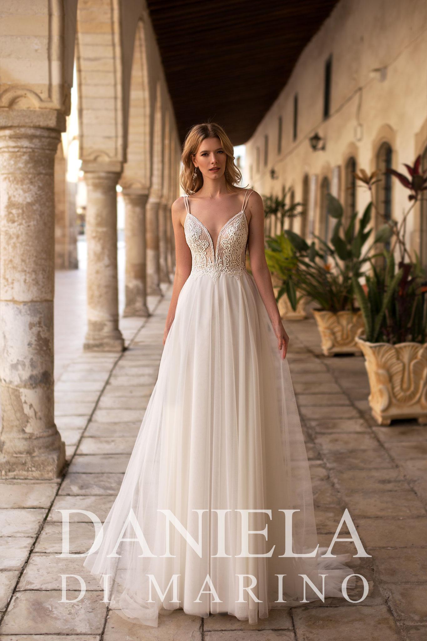 elegantes Brautkleid bei myLovely mit tiefem Rücken Prinzessin ivory