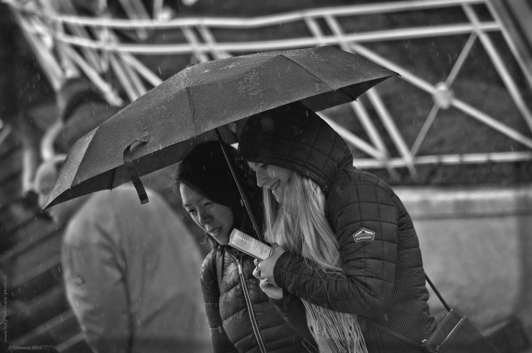 Under the Umbrella - Letzter Renntag der Saison 2017 Krefelder Rennclub 1997 e.V.  - Lady-Sahmara-Photo