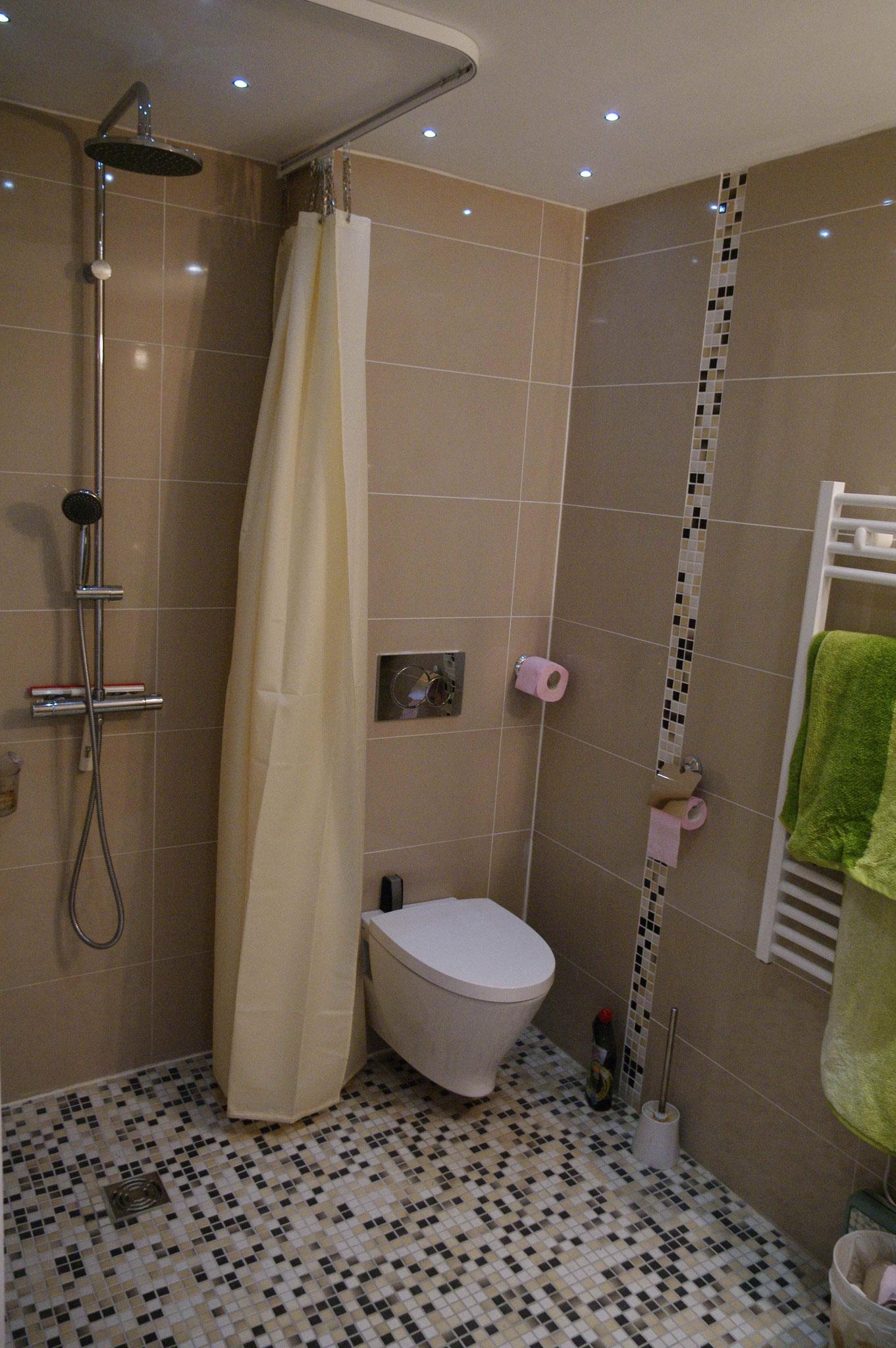 Les salles d\'eau - Chambre d\'hôte à Lampaul-Ploudalmézeau