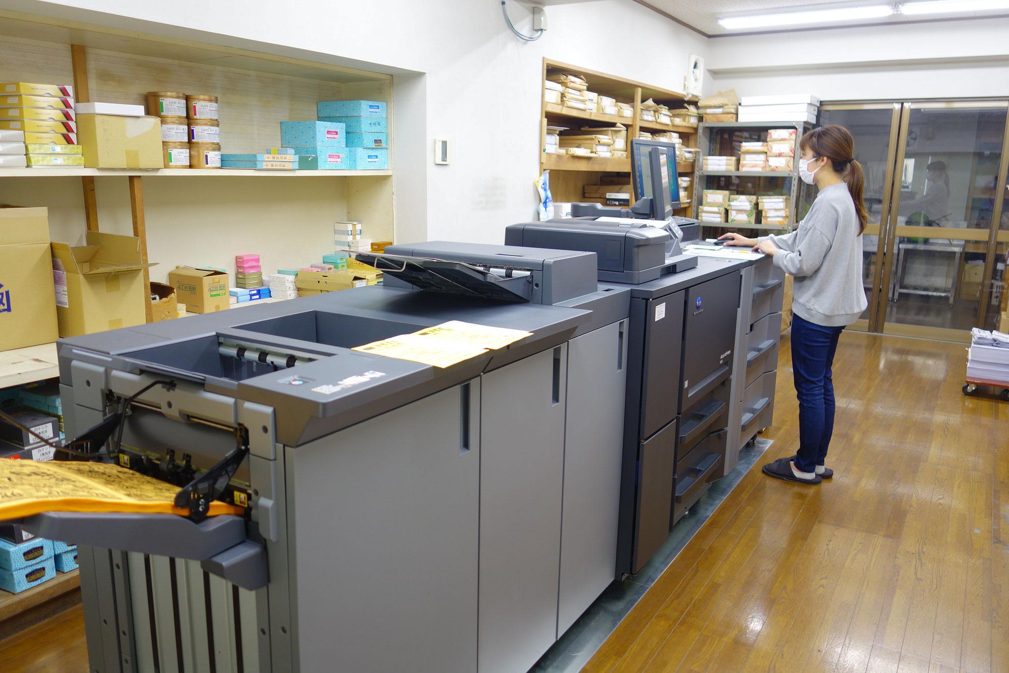 production printerによる印刷。KONICA6120。