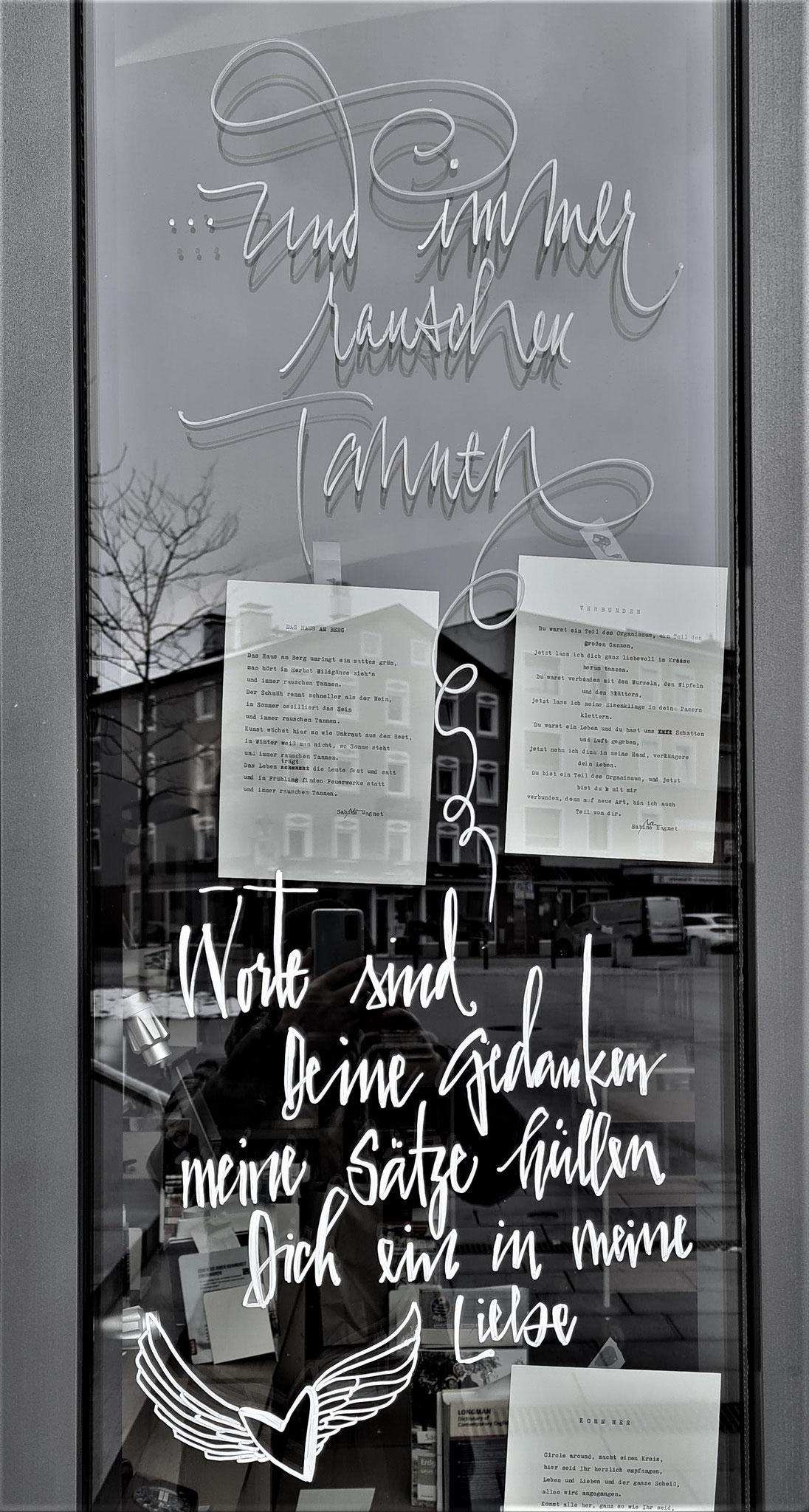SchaufensterCalligraphy zu Poetry to go von Sabine Magnet