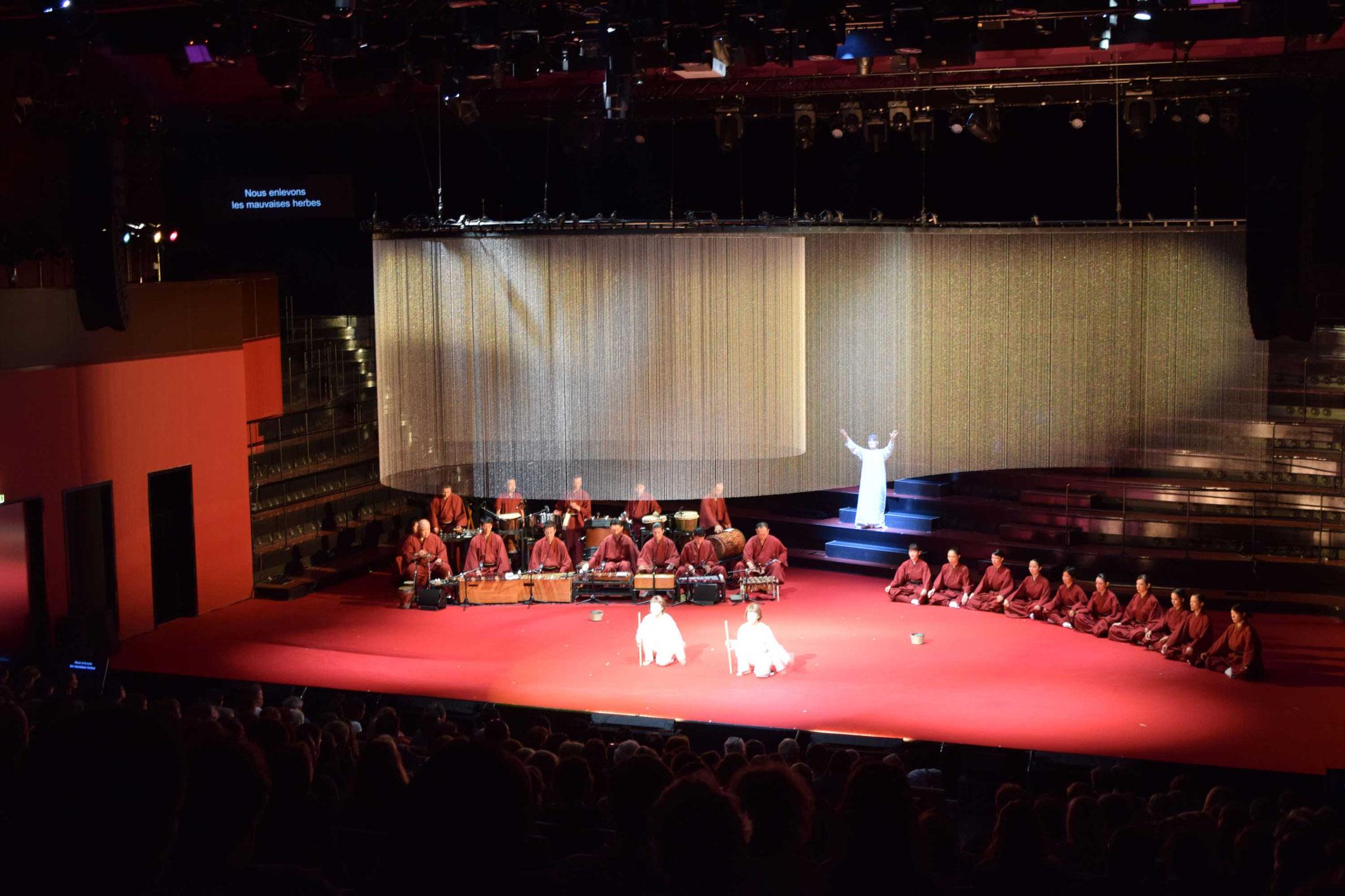 イナバとナバホの白兎 パリ公演