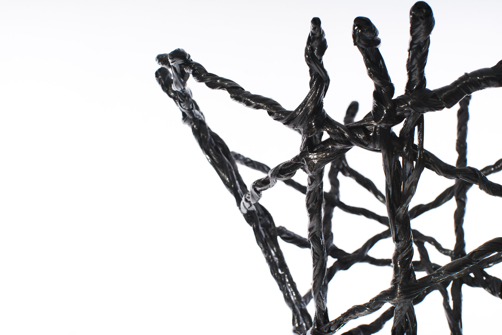Constructive expressionism coat - tree, made out of carbon fiber and epoxy resin, H: 180cm, W: 60cm, L: 60cm