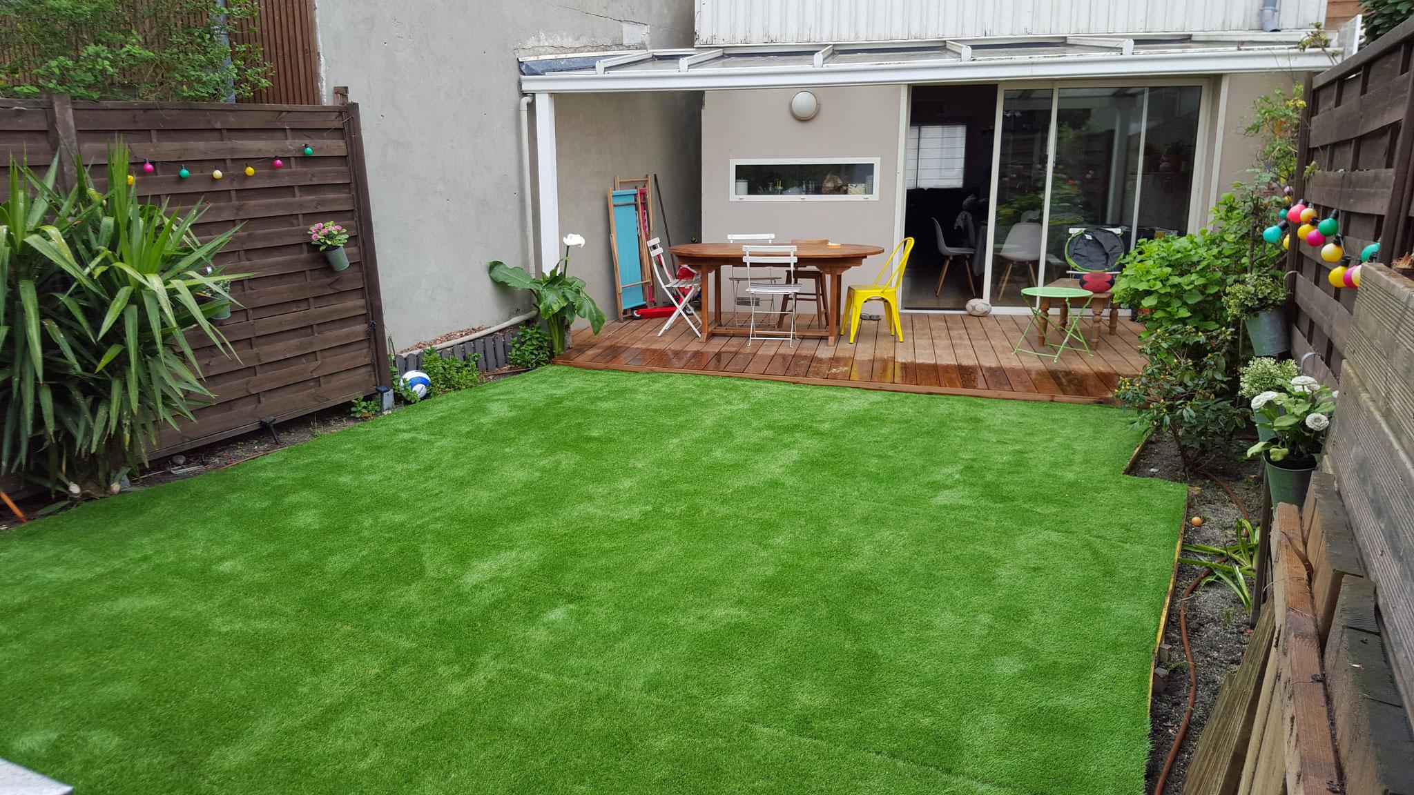 garden staging paysagiste jardin de ville balcon terrasse bordeaux. Black Bedroom Furniture Sets. Home Design Ideas