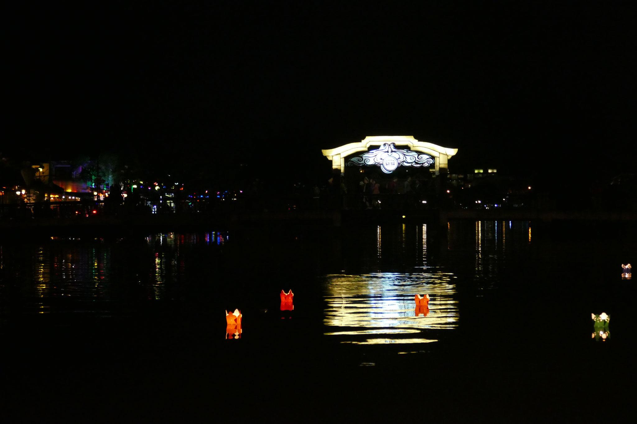 Hoi An ist auch in der Nacht beeindruckend