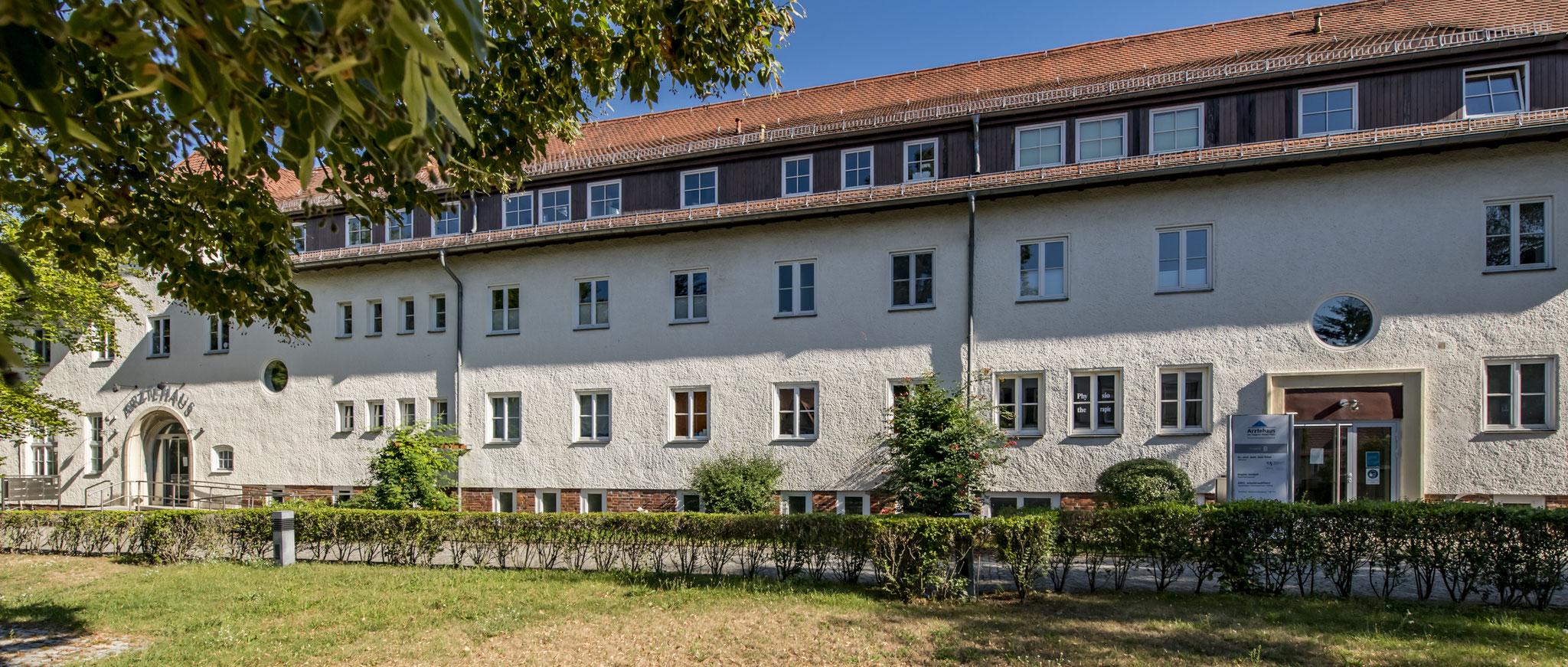 Ärztehaus am August-Bebel-Platz 2