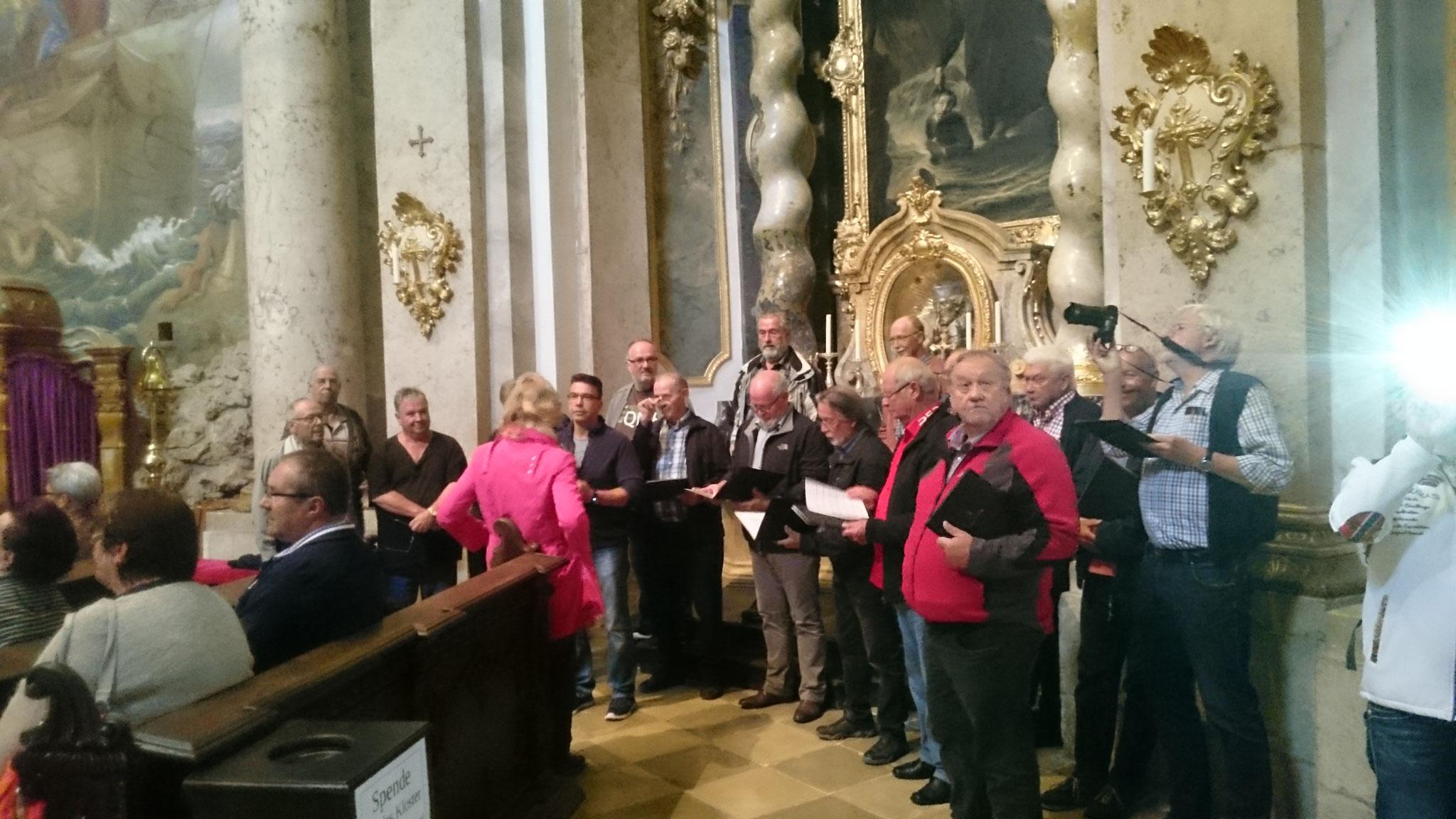 Ein Höhepunkt unserer Chorfahrt. Singen in der prachtvollen Klosterkirche Weltenburg. Unvergesslich für die Beteiligten.