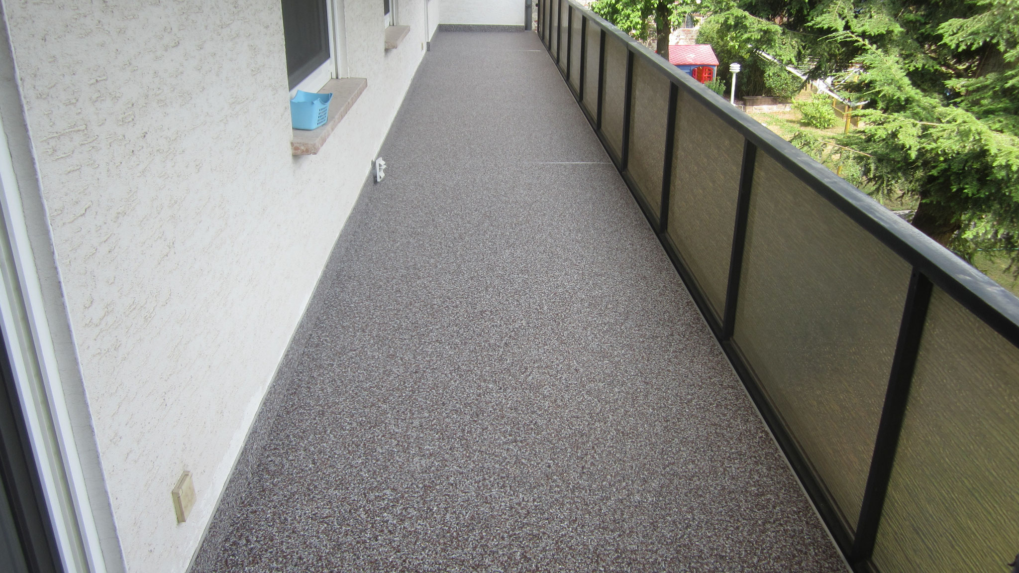 Balkonsanierung in Hessen mit Steinteppich 20 lang